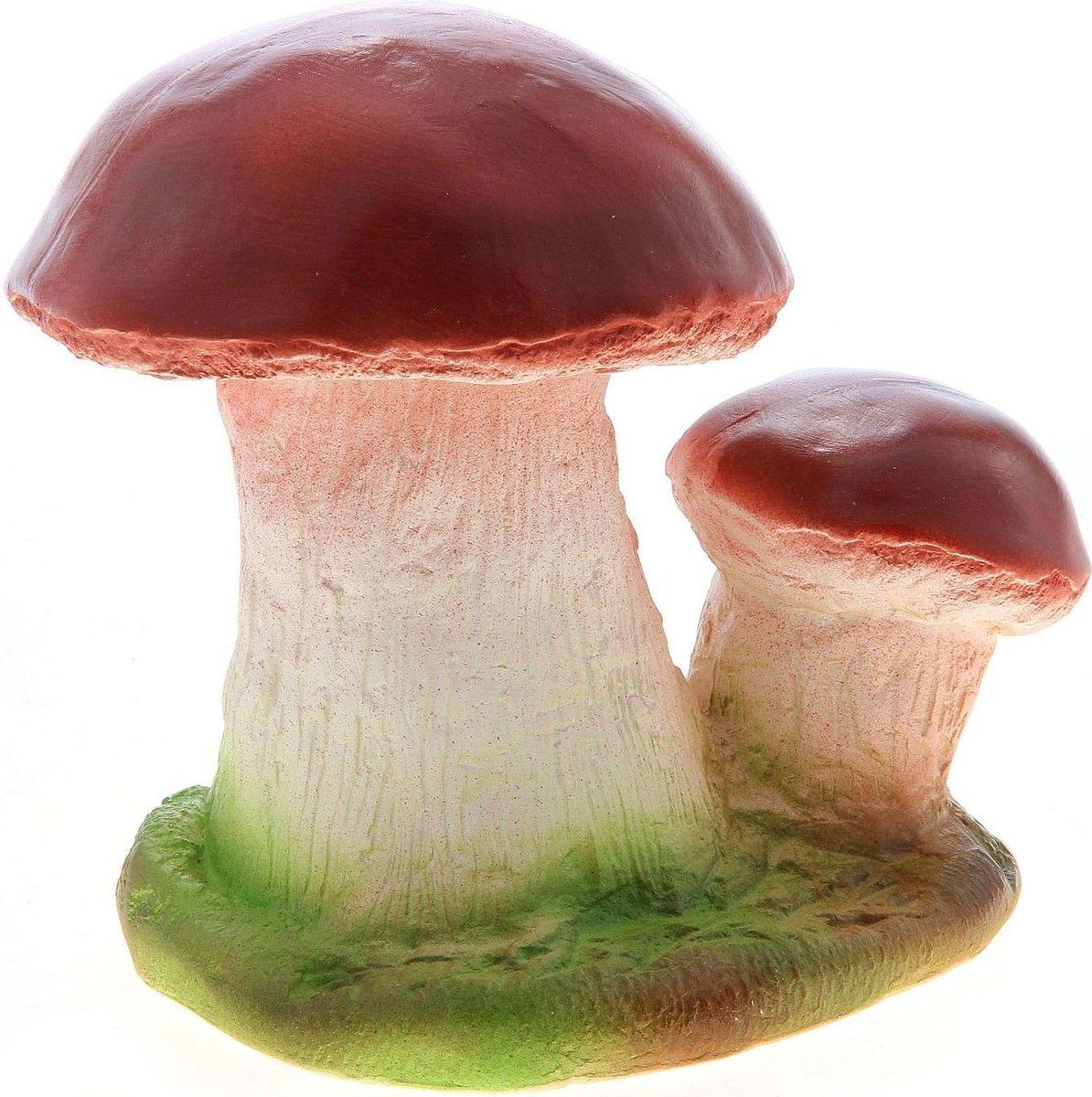 Фигура садовая Два грибочка, 15 х 23 х 20 см748334Очаровательные фигурки грибов украсят сад. Они выглядят совсем как настоящие. Расположите гриб под деревом или в траве и приятно удивите прогуливающихся гостей. Симпатичная фигурка станет прекрасным подарком заядлому садоводу. Такой декор будет гармонично смотреться в огородах и на участках с обилием зелени. Дополните пространство сада интересной деталью.