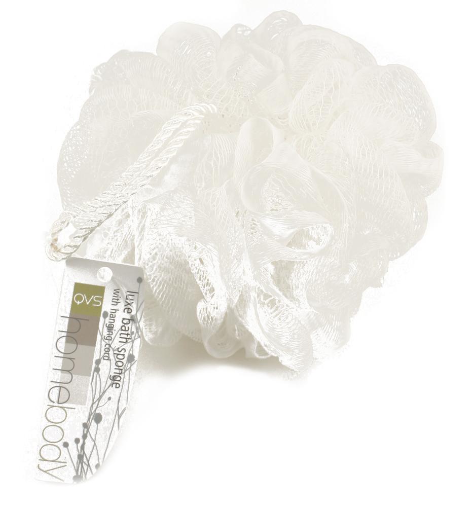 QVS Мочалка мягкая с шнуром. 10-202410-2024Мочалка для тела со шнуром Взбейте на мочалке пену и проведите ею по всему телу для прекрасного отшелушивающего эффекта. Специальный сетчатый материал идеален для нежной очистки кожи, а благодаря удобному шнуру, мочалку удобно хранить в ванной комнате. Цвет: белый.