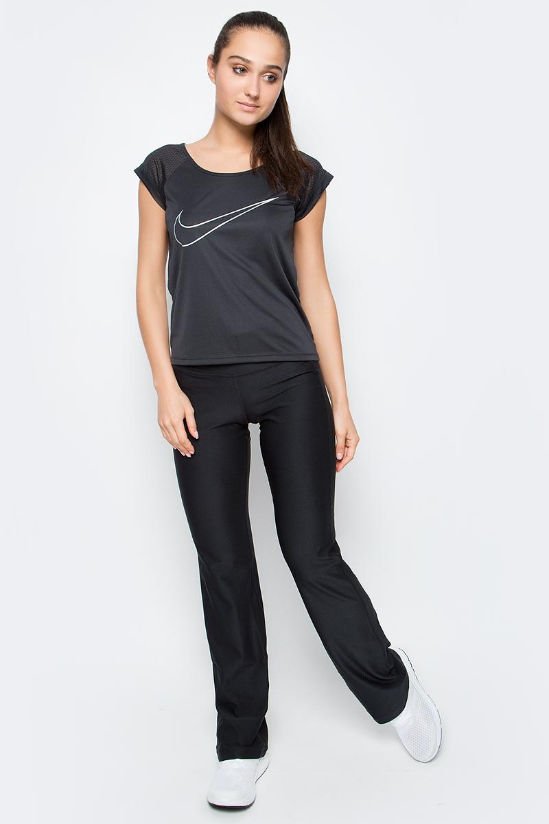 Футболка женская Nike Nk Dry Top Ss Run Fast, цвет: черный. 799574-010. Размер S (42/44)799574-010Женская футболка Nk Dry Top Ss Run Fast от Nike выполнена из мягкого текстиля Dri-Fit. Ткань Dri-Fit обеспечивает воздухопроницаемость и комфорт. Модель свободного кроя с короткими рукава-реглан и круглым вырезом горловины оформлена фирменным логотипом.