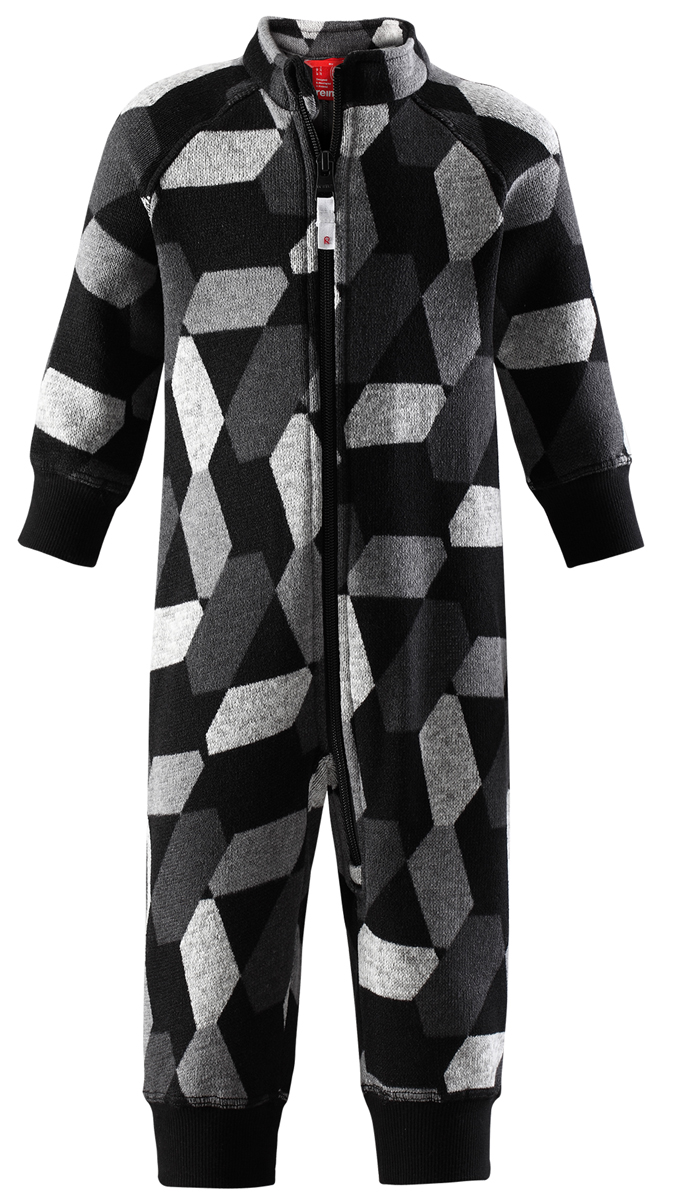 Комбинезон флисовый детский Reima Myytti, цвет: черный. 5163119996. Размер 805163119996Комбинезон от Reima из мягкого меланжевого флиса идеально подходит для ранней осени, кроме того, его можно носить в качестве промежуточного слоя в зимнюю пору. Мягкий вязаный меланжевый флис очень стильно смотрится, он мягкий и уютный, как пряжа, но при этом имеет все достоинства флиса. Флис – теплый и дышащий материал, который быстро сохнет и не парит. Молния во всю длину облегчает надевание, а защита для подбородка не даст поцарапать шею и подбородок.