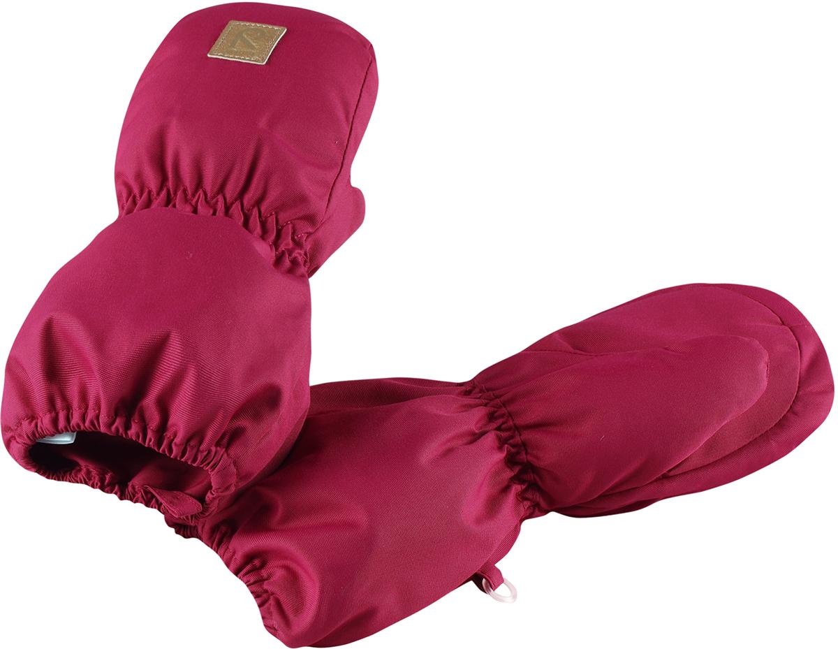Варежки детские Reima Huiske, цвет: розовый. 5171633920. Размер 15171633920Зимние варежки для малышей отлично согреют в морозный зимний день. Варежки сшиты из водонепроницаемого материала, но не снабжены водонепроницаемой вставкой, так что не рекомендуется носить их в мокрую погоду. Ветронепроницаемый дышащий материал, утеплитель и теплая шерстяная подкладка с ворсом надежно согреют маленькие пальчики. А в сильные морозы под них можно надеть теплые шерстяные варежки – в это просторной модели специально предусмотрен запас места!Высокая степень утепления.