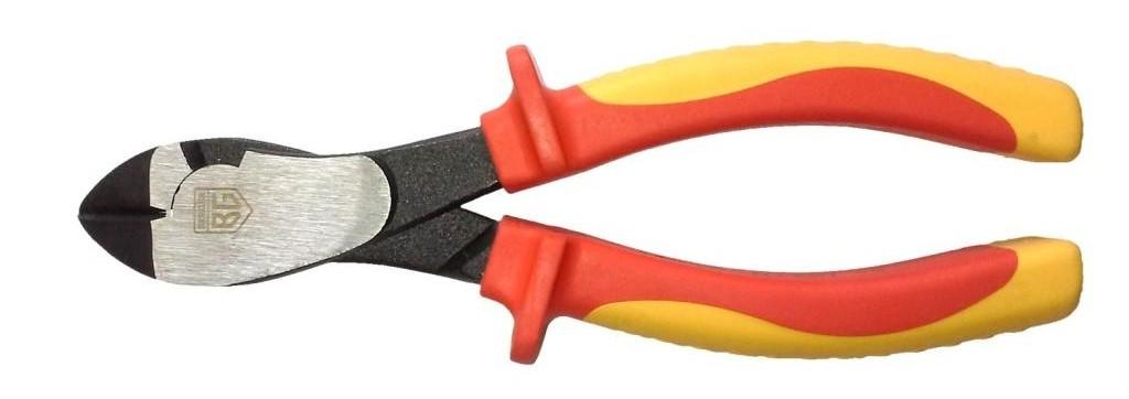 Бокорезы Berger, диэлектрические, усиленные, до 1000В, 180 ммBG1175Усиленные диэлектрические бокорезы Berger предназначены для перекусывания проволоки и проводов. Выполнены из высококачественной хромованадиевой стали. Инструмент обладает высокой режущей способностью, износоустойчив. Твердость режущих кромок составляет 55-62 HRC. Твердость элементов шарнира 40-48 HRC. Эргономичные рукоятки имеют антискользящие вставки для более уверенного обхвата инструмента. Бокорезы могут быть использованы для резки проводов под напряжением до 1000В.Длина бокорезов: 18 см.