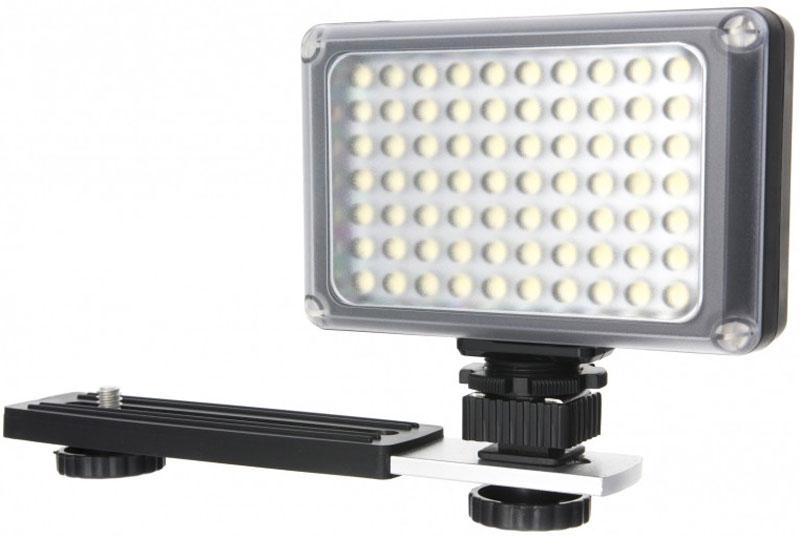 YongNuo LED YN-0906II вспышка и светодиодный осветитель для фото и видеокамерYN0906IIНакамерный светодиодный свет YongNuo LED YN-0906II позволит вам создавать лучшие видеоролики и даже фотографии в самых неблагоприятных условиях освещения.Работа этого прибора Yongnuo основана на одновременной работе 70 встроенных светодиодов, которые обеспечивают потрясающе яркое освещение (до 450 люкс) с углом до 50 градусов.С помощью комплектных фильтров цветовая температура Yongnuo YN-0906 II LED гибко регулируется в пределах 3200К-5500К. Питание этого накамерного света производится от 4 батареек типа АА или от Ni-MH аккумуляторов.