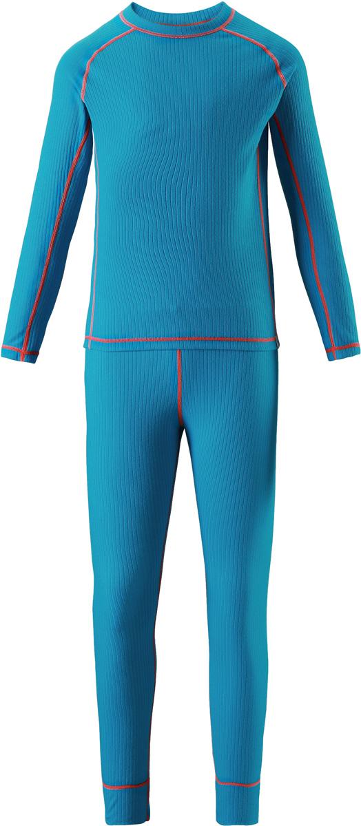 Комплект термобелья детский Reima Cepheus: лонгслив, брюки, цвет: синий. 5362176490. Размер 1505362176490Детский базовый комплект станет отличным выбором для любителей активного отдыха на свежем воздухе: материал эффективно выводит влагу в верхние слои одежды и быстро сохнет. Комплект очень приятный на ощупь, он просто создан для веселых прогулок – в нем ребенок не замерзнет и не вспотеет! Лонгслив с удлиненной спинкой обеспечивает дополнительную защиту для поясницы, а мягкие и плоские швы не натирают кожу. Эта модель подойдет и для мальчиков, и для девочек. Во время активных зимних прогулок функциональный базовый слой играет большую роль!
