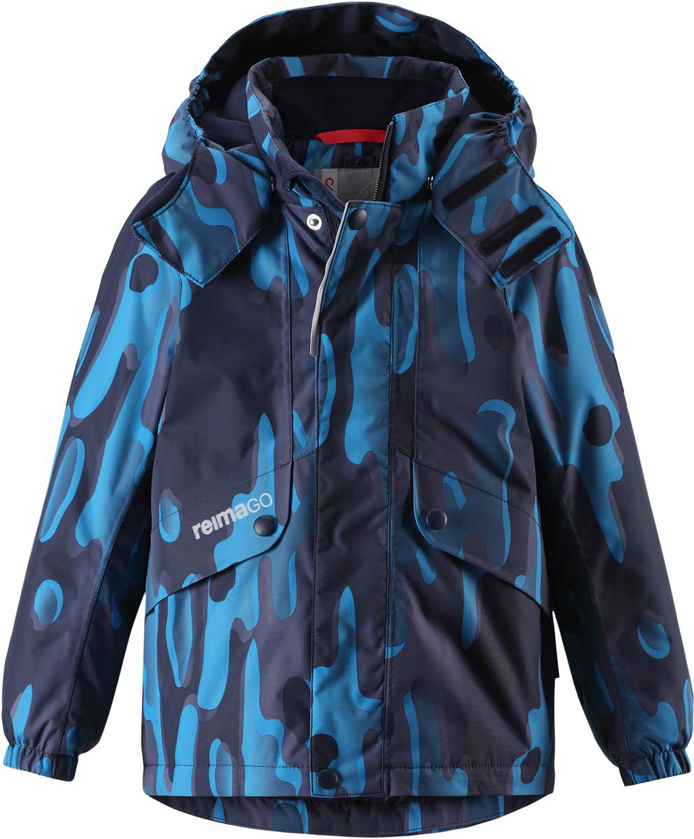 Куртка детская Reima Reimatec Elo, цвет: синий. 5215156984. Размер 1165215156984Детская абсолютно непромокаемая зимняя куртка Reimatec изготовлена из водо- и ветронепроницаемого, прочного и дышащего материала, который эффективно отталкивает грязь. Все швы проклеены, водонепроницаемы. В этой модели прямого покроя подол при необходимости легко регулируется, что позволяет подогнать куртку точно по фигуре. Съемный и регулируемый капюшон защищает от пронизывающего ветра и проливного дождя, а еще он безопасен во время игр на свежем воздухе. С помощью удобной системы кнопок Play Layers к этой куртке можно присоединять одежду промежуточного слоя Reima, которая подарит вашему ребенку дополнительное тепло и комфорт. В куртке предусмотрены два кармана на молнии, внутренний нагрудный карман, карман для сенсора ReimaGO и множество светоотражающих деталей.Средняя степень утепления.