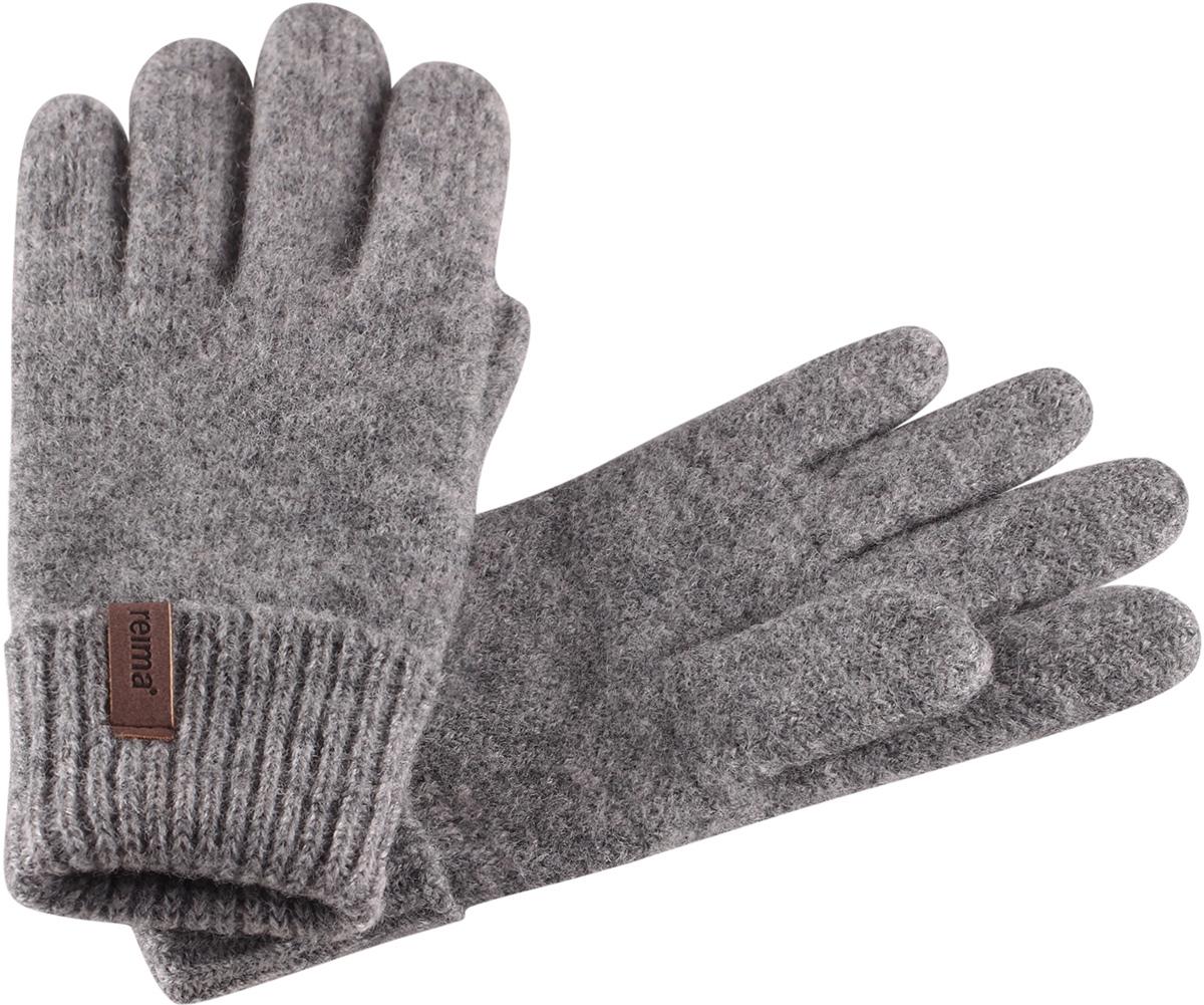 Перчатки детские Reima Supi, цвет: серый. 5272919400. Размер 75272919400Детские перчатки от Reima связаны из теплой шерстяной пряжи. Дышащая шерсть - превосходный терморегулятор. Эта облегченная модель без подкладки отлично подойдет в межсезонье, также может использоваться для поддевания под верхние перчатки зимой.