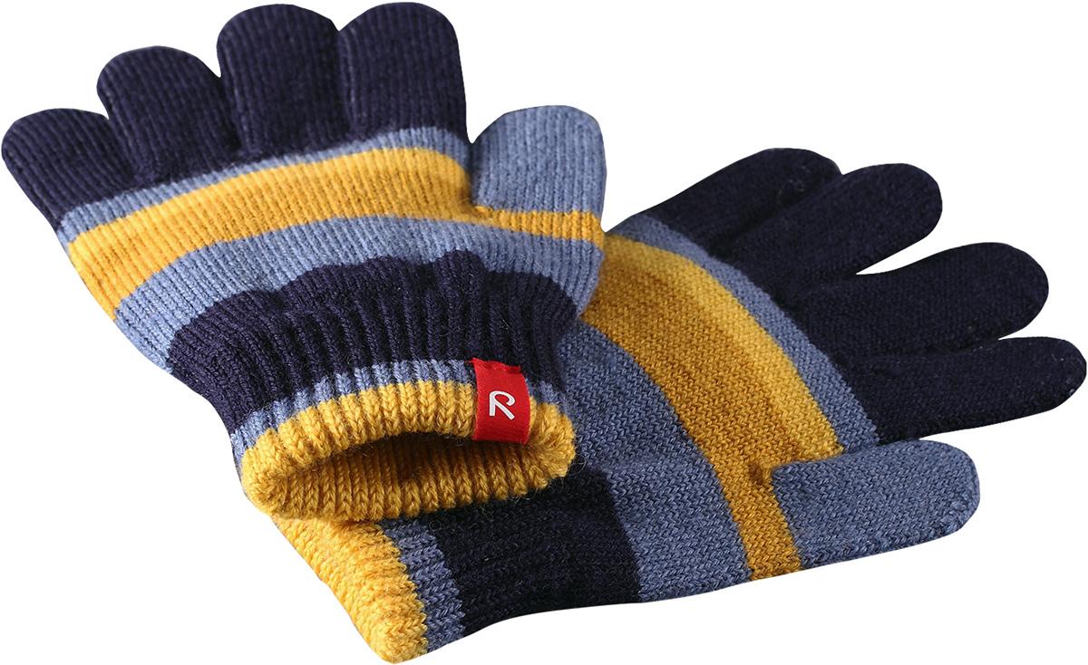 Перчатки детские Reima Twig, цвет: темно-синий, желтый. 527274698A. Размер 5527274698AПерчатки для малышей и детей постарше выполнены из эластичной полушерсти, дарящей комфорт в прохладные дни ранней осенью. Они идеально подойдут для поддевания под водонепроницаемые варежки и перчатки. Изготовлены из трикотажа высокого качества и легко стираются в стиральной машине.Средняя степень утепления.