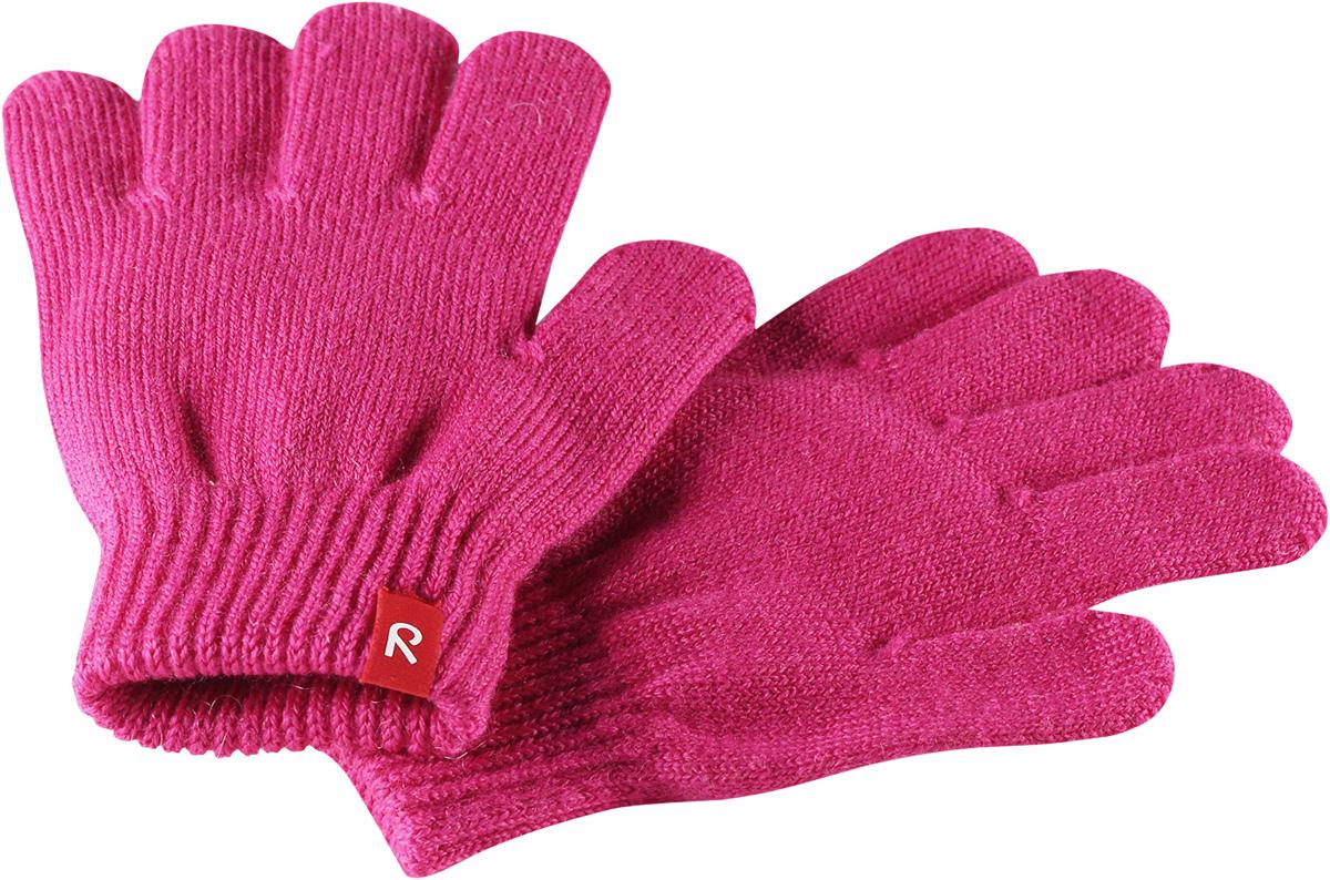 Перчатки детские Reima Twig, цвет: розовый. 5272744620. Размер 55272744620Перчатки для малышей и детей постарше выполнены из эластичной полушерсти, дарящей комфорт в прохладные дни ранней осенью. Они идеально подойдут для поддевания под водонепроницаемые варежки и перчатки. Изготовлены из трикотажа высокого качества и легко стираются в стиральной машине.Средняя степень утепления.