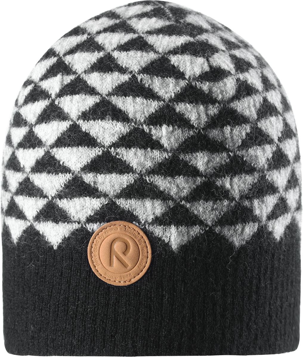 Шапка-бини детская Reima Kaamos, цвет: черный. 5285579990. Размер 545285579990Детская шапка из теплого шерстяного трикотажа Reima станет отличным вариантом на зимние холода. Материал превосходно регулирует температуру и хорошо согревает голову. Трикотажная подкладка в рубчик из смеси хлопка и эластана гарантирует тепло, а ветронепроницаемые вставки защищают уши. Модель имеет декоративную структурную вязку.