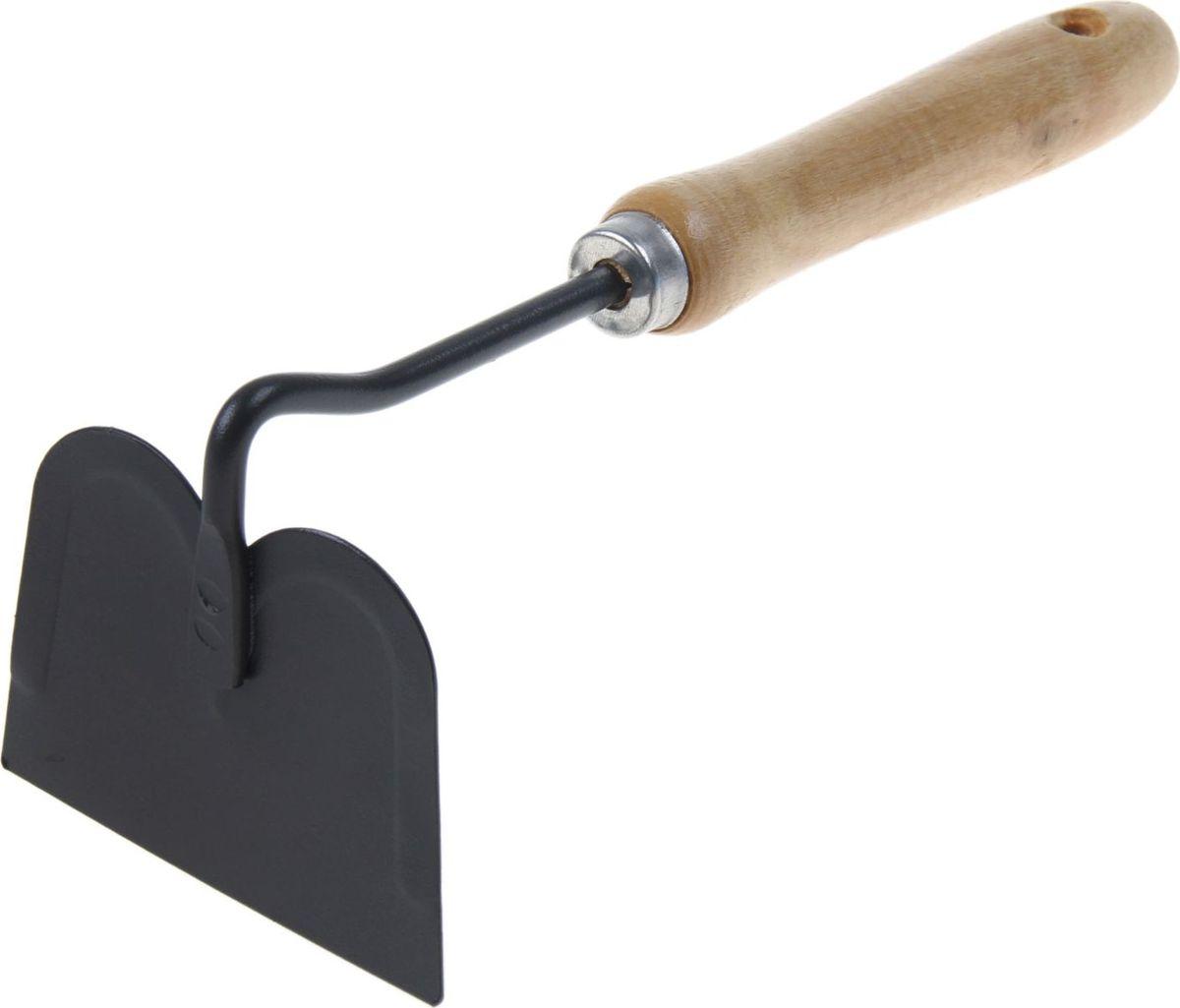 Мотыга Доляна, цвет: черный, бежевый, длина 28 см. 10050131005013Тяпка Доляна станет помощником для тех, кто по-настоящему любит дачу или огород. Инструмент отлично подходит для прополки. Приспособление удаляет сорняки вместе с их корнями, надолго оставляя грядки чистыми и ухоженными. Данная модель выполнена из металла и дерева. Такое сочетание материалов делает конструкцию прочной, но лёгкой для работы. Размер: 28 см. Материал: дерево, металл.