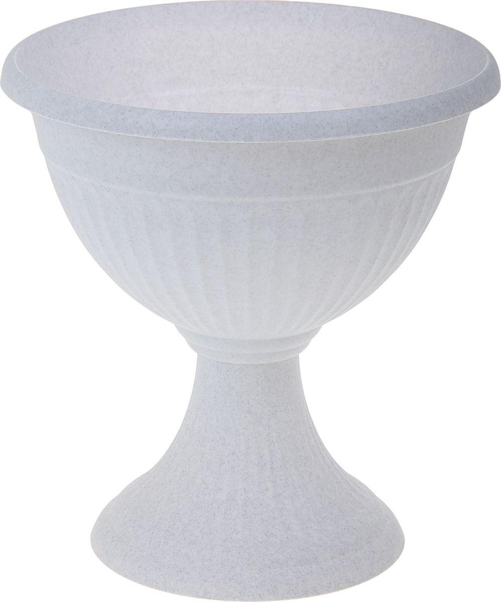 Кашпо Idea Ливия, цвет: мрамор, 7 л1155749Любой, даже самый современный и продуманный интерьер будет не завершенным без растений. Они не только очищают воздух и насыщают его кислородом, но и заметно украшают окружающее пространство. Такому полезному члену семьи просто необходимо красивое и функциональное кашпо, оригинальный горшок или необычная ваза! Мы предлагаем - Кашпо-вазон d=31 см Ливия 7 л, цвет мраморный! Оптимальный выбор материала - это пластмасса! Почему мы так считаем? Малый вес. С легкостью переносите горшки и кашпо с места на место, ставьте их на столики или полки, подвешивайте под потолок, не беспокоясь о нагрузке. Простота ухода. Пластиковые изделия не нуждаются в специальных условиях хранения. Их легко чистить достаточно просто сполоснуть теплой водой. Никаких царапин. Пластиковые кашпо не царапают и не загрязняют поверхности, на которых стоят. Пластик дольше хранит влагу, а значит растение реже нуждается в поливе. Пластмасса не пропускает воздух корневой системе растения не грозят резкие перепады температур. Огромный выбор форм, декора и расцветок вы без труда подберете что-то, что идеально впишется в уже существующий интерьер. Соблюдая нехитрые правила ухода, вы можете заметно продлить срок службы горшков, вазонов и кашпо из пластика: всегда учитывайте размер кроны и корневой системы растения (при разрастании большое растение способно повредить маленький горшок) берегите изделие от воздействия прямых солнечных лучей, чтобы кашпо и горшки не выцветали держите кашпо и горшки из пластика подальше от нагревающихся поверхностей. Создавайте прекрасные цветочные композиции, выращивайте рассаду или необычные растения, а низкие цены позволят вам не ограничивать себя в выборе.