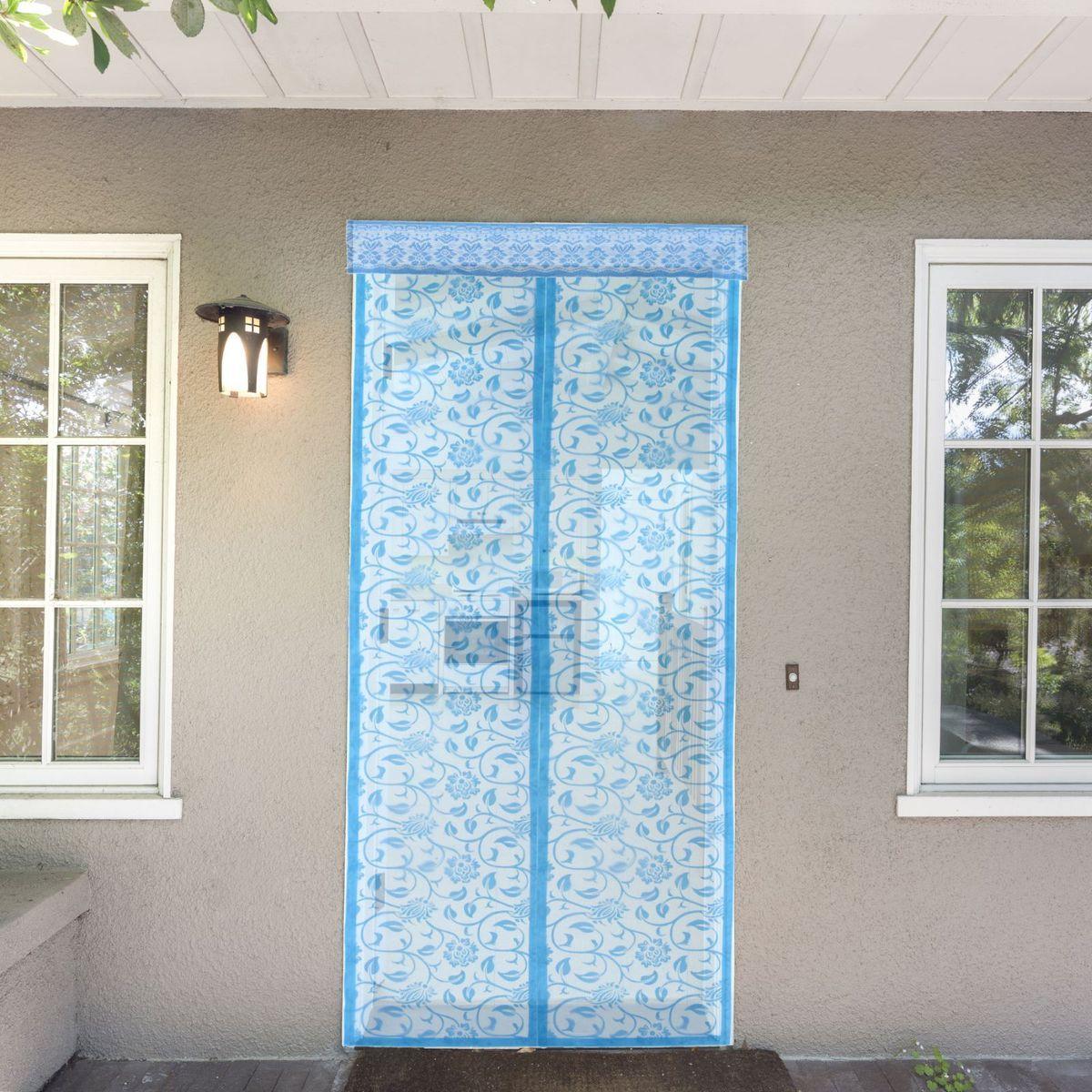 Сетка антимоскитная Цветочный узор, на магнитной ленте, цвет: голубой, 80 х 210 см1207610Занавес от насекомых на магнитной ленте универсален в использовании: подвесьте его при входе в садовый дом или балкон, чтобы предотвратить попадание комаров внутрь жилища. Наслаждайтесь свежим воздухом без компании надоедливых насекомых! Чтобы зафиксировать занавес в дверном проеме, достаточно закрепить занавеску по периметру двери с помощью кнопок, идущих в комплекте. В комплект входит: полиэстеровая сетка-штора (80 x 210 см) магнитная лента крепежные крючки. Принцип действия занавеса предельно прост: каждый раз, когда вы будете проходить сквозь шторы, они автоматически «захлопнутся» за вами благодаря магнитам, расположенным по всей его длине.