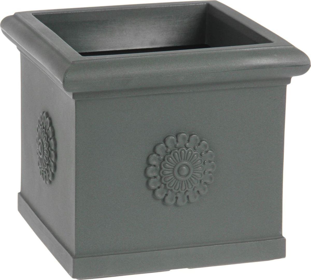 Вазон ЗАО Пластик Византия, цвет: антрацитовый, 30 л1442663 Декоративная ваза «Византия» — это классическая форма, притягивающий взгляд цвет, монументальность и величественность. Она пригодится для самых разных целей: позволит украсить гостиную или офисстанет стильным подарком на юбилей или свадьбупревратится в реликвию, которую можно будет передавать из поколения в поколение. Ваза, изготовленная из качественного полимерного материала, станет заметной деталью интерьера и наполнит помещение атмосферой роскоши. Без красоты мир был бы тусклее. Наполните свою жизнь прекрасным!Внутренний размер - 35х35 см.