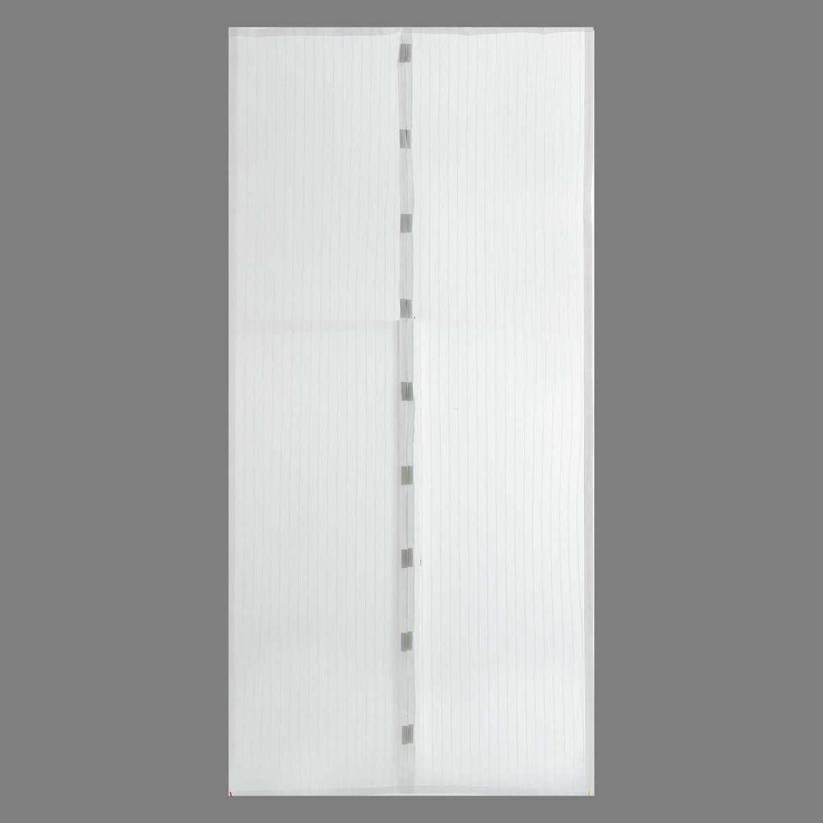 Сетка антимоскитная, на магнитной ленте, цвет: белый, 100 х 210 см. 14832481483248Сетка антимоскитная защитит вас от насекомых, изготовленная на магнитной ленте, универсальна в использовании: подвесьте ее при входе в садовый дом или балкон, чтобы предотвратить попадание комаров внутрь жилища. Наслаждайтесь свежим воздухом без компании надоедливых насекомых.Чтобы зафиксировать занавес в дверном проеме, достаточно закрепить занавеску по периметру двери с помощью кнопок, идущих в комплекте.В комплект входит: полиэстеровая сетка-штора (100 x 210 см), магнитная лента и крепёжные крючки.Принцип действия занавеса предельно прост: каждый раз, когда вы будете проходить сквозь шторы, они автоматически захлопнутся за вами благодаря магнитам, расположенным по всей его длине.