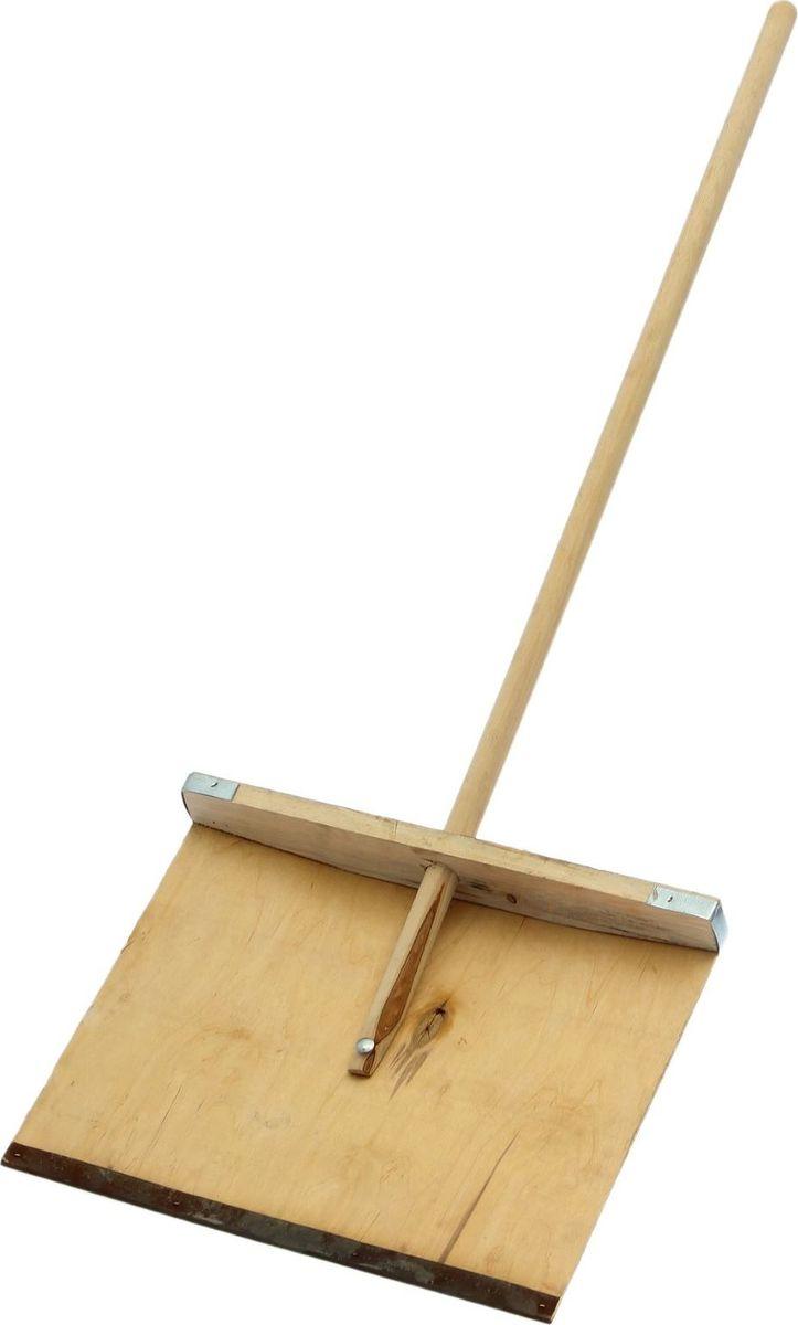 Лопата для снега, с планкой и черенком, длина 120 см1622151Легкая лопата из фанеры для уборки снега поможет справиться с зимними снегопадами.