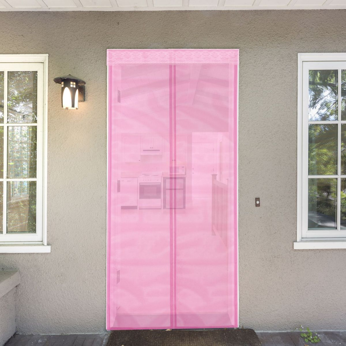 Сетка антимоскитная, на магнитной ленте, цвет: розовый, 80 х 210 см637928Сетка антимоскитная защитит вас от насекомых, изготовленная на магнитной ленте, универсальна в использовании: подвесьте ее при входе в садовый дом или балкон, чтобы предотвратить попадание комаров внутрь жилища. Наслаждайтесь свежим воздухом без компании надоедливых насекомых.Чтобы зафиксировать занавес в дверном проеме, достаточно закрепить занавеску по периметру двери с помощью кнопок, идущих в комплекте.В комплект входит: полиэстеровая сетка-штора (80 x 210 см), магнитная лента и крепёжные крючки.Принцип действия занавеса предельно прост: каждый раз, когда вы будете проходить сквозь шторы, они автоматически захлопнутся за вами благодаря магнитам, расположенным по всей его длине.