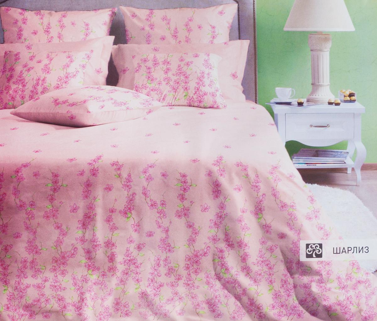 Комплект белья Хлопковый Край Шарлиз, 1,5-спальный, наволочки 70х7015б-1ХКссКомплект постельного белья выполнен из качественного хлопка и украшен цветочным рисунком. Комплект состоит из пододеяльника, простыни и двух наволочек.Постельное белье из хлопка превращает жаркие летние ночи в прохладные и освежающие, а холодные зимние - в теплые и согревающие. Постельное белье Хлопковый Край экологичное, гипоаллергенное, оно легко стирается и гладится, не сильно мнется и выдерживает очень много стирок, при этом сохраняя яркость цвета и рисунка.