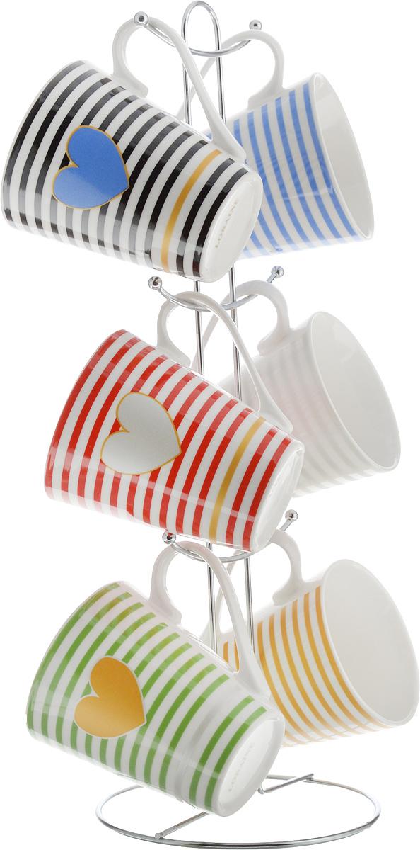 Набор кружек Loraine, на подставке, 350 мл, 7 предметов. 2652426524Набор Loraine состоит из 6 кружек и подставки. Кружки изготовлены из глазурованной керамики и оформлены оригинальным рисунком. Теплостойкие ручки обеспечивают комфортное использование. Кружки подходят для горячих и холодных напитков. Изящный дизайн придется по вкусу и ценителям классики, и тем, кто предпочитает современный стиль. Он настроит на позитивный лад и подарит хорошее настроение с самого утра. В комплекте - металлическая подставка с крючками для подвешивания кружек. Набор кружек - идеальный и необходимый подарок для вашего дома и для ваших друзей на праздники, юбилеи и торжества. Кружки подходят для мытья в посудомоечной машине, можно использовать в СВЧ и ставить в холодильник. Объем кружек: 350 мл. Диаметр кружки (по верхнему краю): 8,5 см. Высота кружки: 10 см. Размер подставки: 14 х 14 х 39 см.