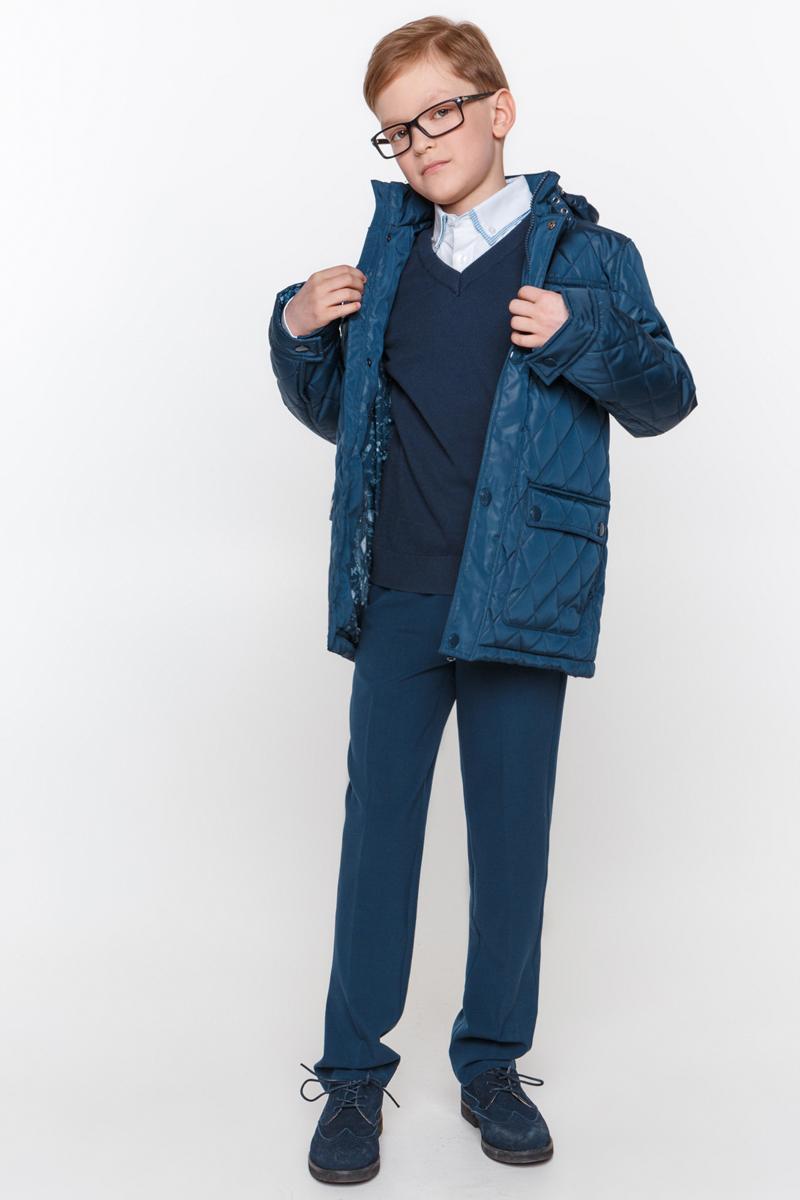Куртка для мальчика Overmoon by Acoola Harvard, цвет: темно-синий. 21100130003_600. Размер 14021100130003_600Куртка для мальчика Overmoon Harvard выполнена из высококачественного материала. Модель с воротником-стойкой и длинными рукавами застегивается на застежку-молнию и дополнительно ветрозащитным клапаном на кнопки. Куртка дополнена накладными карманами.