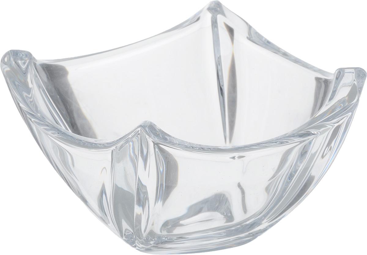 Салатник Crystalite Bohemia Colosseum, 11 х 11 см09283Салатник Crystalite Bohemia Colosseum выполнен из прочного утолщенного натрий-кальций-силикатного стекла. Изделие абсолютно прозрачное и излучает приятный блеск. Салатник имеет квадратную форму, а внешние стенки дополнены рельефом. Подходит для сервировки небольшого количества салатов или закусок, например, икры. Отлично подойдет как для повседневного использования, так и для торжественных случаев. Такой салатник красиво дополнит сервировку стола.