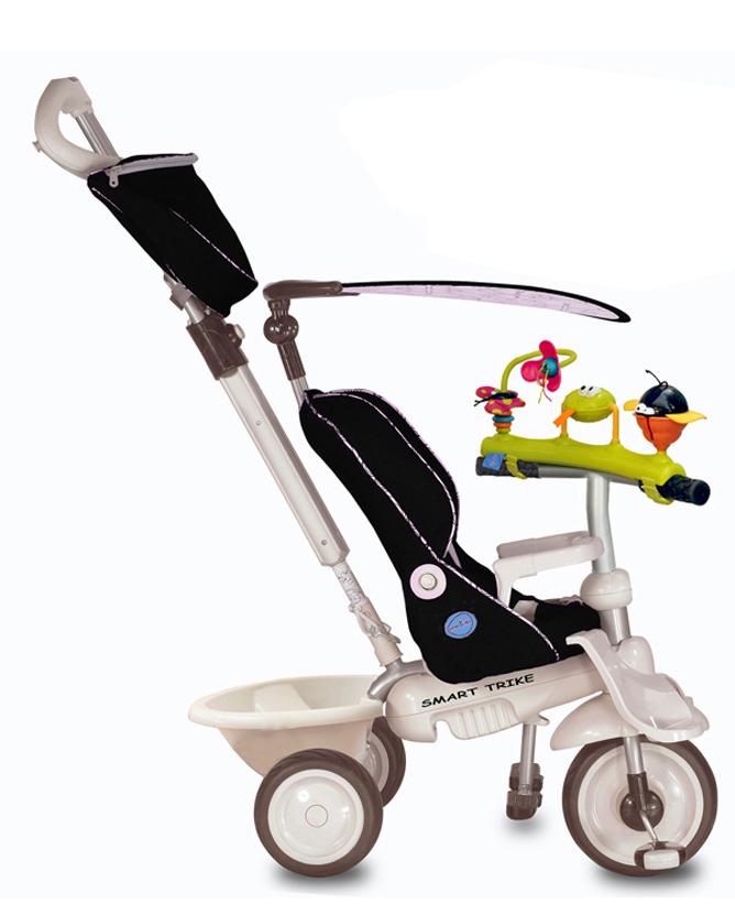 Smart Trike Велосипед трехколесный Recliner цвет черный1915502Трехколесный велосипед Smart Trike Recliner выполнен из прочного пластика и металла. Сиденье велосипеда оборудовано ремнем безопасности, также велосипед имеет небольшой багажник для игрушек. Это единственный на сегодняшний день велосипед, рассчитанный на самых маленьких детей в возрасте от шести месяцев. Учитывая физические особенности малыша, у велосипеда есть дополнительная подставка для ножек шестимесячных детей. Мягкое удобное сиденье, оборудованное 3-точечными ремнями безопасности и защитным поручнем, сделает прогулку не только комфортной, но и максимально безопасной. Сиденье имеет возможность регулировки удаленности от руля в двух положениях, а благодаря высокой спинке, которую можно опускать при нажатии на кнопку, и дополнительной боковой поддержке для головы, малыш сможет ехать полулежа и даже вздремнуть во время прогулки. Основные характеристики: резиновые колеса 8,4 / 6,4; управляющая ручка с внутренней тягой; 2 подножки; мягкая накидка на сиденье; 3-точечный ремень безопасности; страховочный обод; корзина; съемный солнцезащитный тент с возможностью регулировки обеспечивает ребенку защиту от ультрафиолетового излучения солнца на 30%; ножная тормозная система; свободный ход педалей; регулировка наклона спинки; регулировка сиденья в 2-х положениях; сумка; держатель для бутылки.