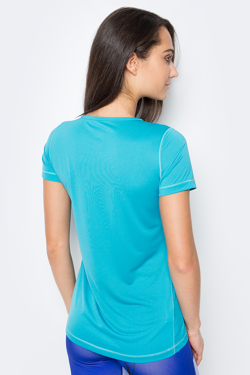 Очень мягкая и легкая футболка Salomon Mazy Graphic SS Tee из полиэстерового жаккарда отличается хорошими дышащими свойствами и защищает от ультрафиолетового излучения. Универсальная летняя футболка женственного силуэта с круглым вырезом горловины.
