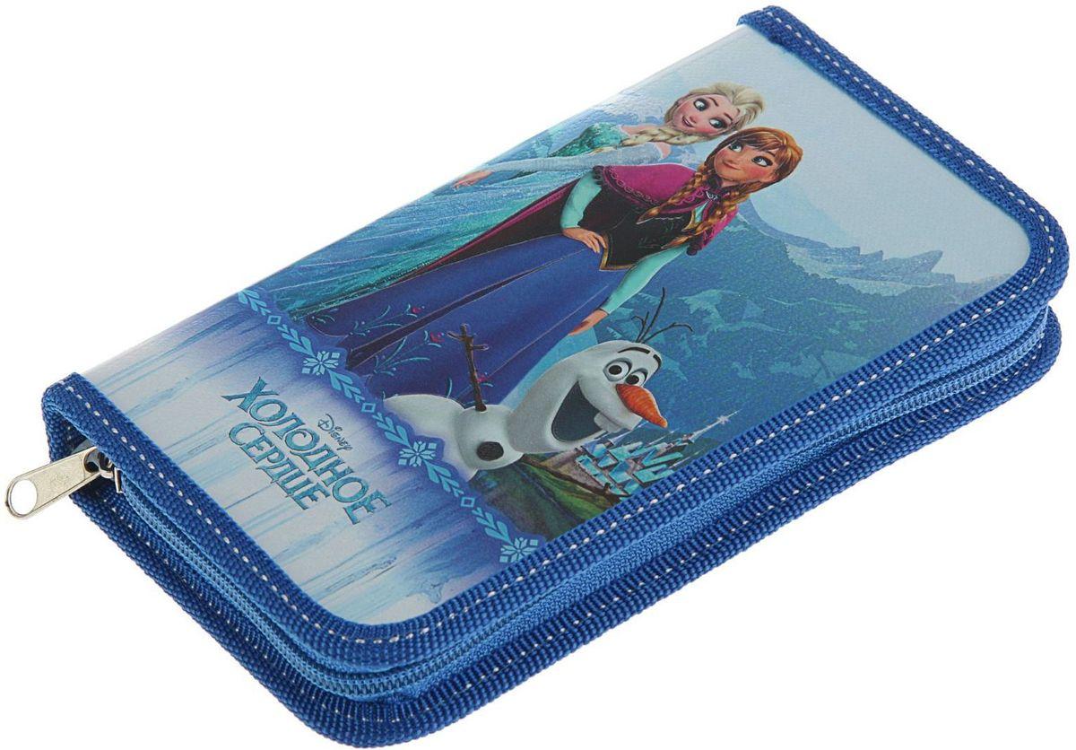 Disney Пенал Frozen с наполнением2382758Яркий и веселый односекционный пенал Disney Frozen поможет вашему непоседе сохранять порядок у себя в рюкзаке и на письменном столе.Жесткий пенал выполнен из прочного ламинированного картона и закрывается на застежку-молнию. Состоит из вместительного отделения, в котором без труда поместятся все необходимые в школе канцелярские принадлежности.Внутри отделения находятся эластичные крепления для канцелярских принадлежностей. В комплект с пеналом входят линейка, шариковая ручка и 7 карандашей.Для обеспечения дополнительной износоустойчивости, пенал с закругленными уголками отделан лентой из полиэстера по краю.С таким аксессуаром ваш юный школьник станет главным модником в классе!