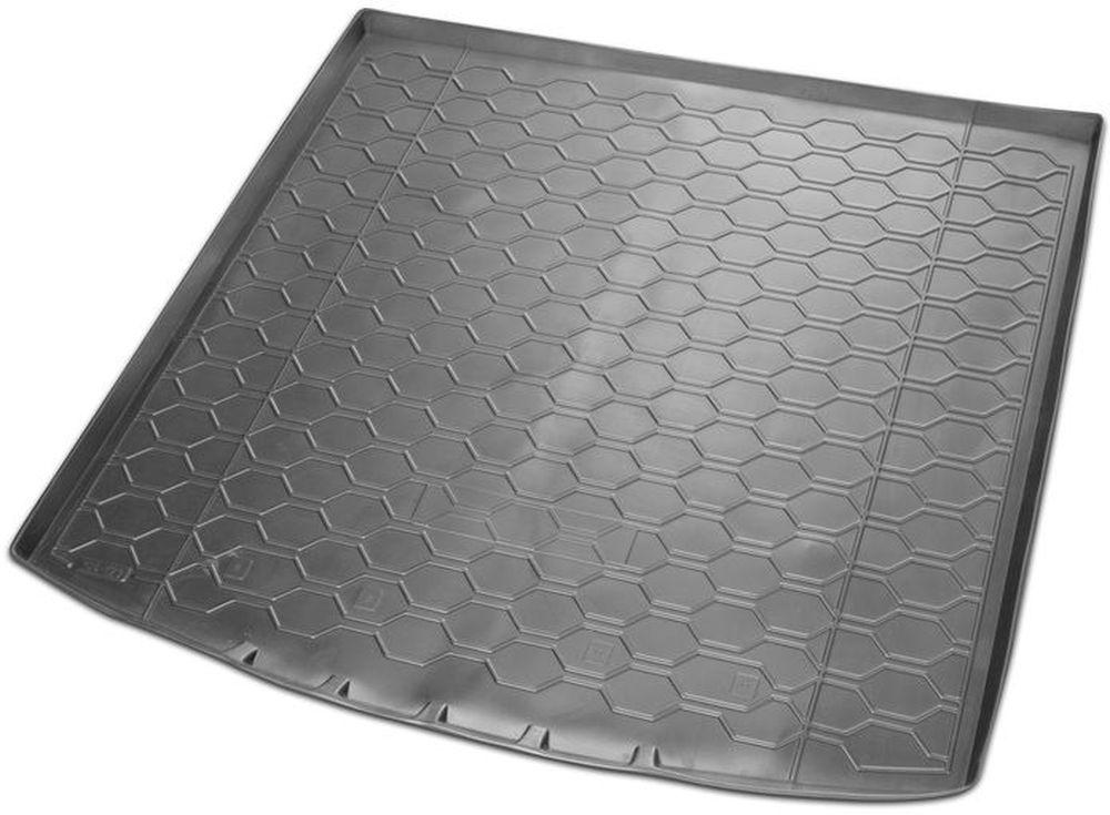 Коврик багажника Rival для Skoda Kodiaq (5 мест) 2017-, полиуретан15105002Коврик багажника Rival позволяет надежно защитить и сохранить от грязи багажный отсек вашего автомобиля на протяжении всего срока эксплуатации, полностью повторяют геометрию багажника.- Высокий борт специальной конструкции препятствует попаданию разлитой жидкости и грязи на внутреннюю отделку.- Произведен из первичных материалов, в результате чего отсутствует неприятный запах в салоне автомобиля. - Рисунок обеспечивает противоскользящую поверхность, благодаря которой перевозимые предметы не перекатываются в багажном отделении, а остаются на своих местах.- Высокая эластичность, можно беспрепятственно эксплуатировать при температуре от -45°C до +45°C.- Коврик изготовлен из высококачественного и экологичного материала, не подверженного воздействию кислот, щелочей и нефтепродуктов. Уважаемые клиенты! Обращаем ваше внимание, что коврик имеет форму, соответствующую модели данного автомобиля. Фото служит для визуального восприятия товара.