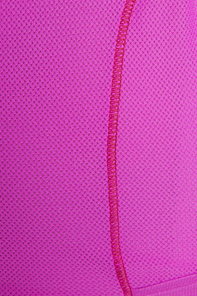 Женская майка Salomon Trail Runner Sleeveless Tee обеспечивает полную свободу движений и вентиляцию, прекрасно сидит при надетом рюкзаке. Модель имеет круглый вырез горловины. Идеально подходит для занятий бегом или хайкинга в жаркую погоду.