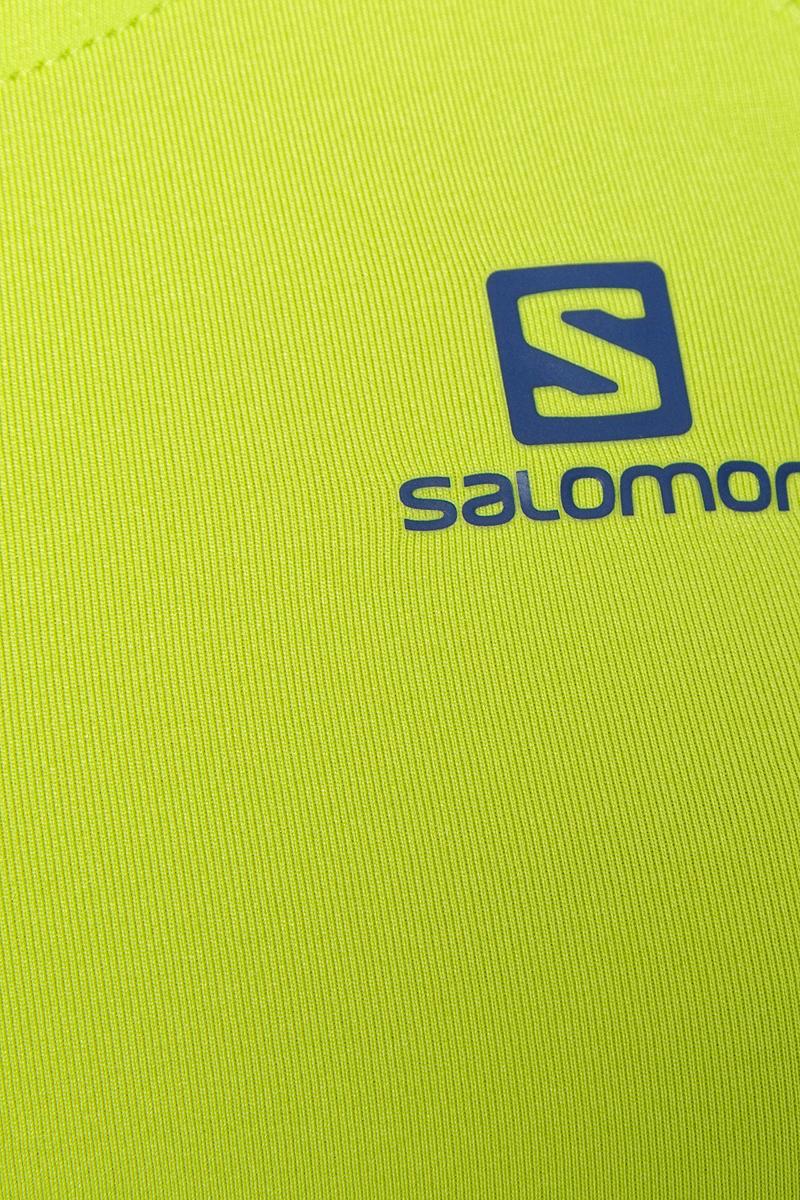 Беговая майка Salomon Comet Tank из мягкого и дышащего легкого материала подарит комфорт во время занятий спортом или прогулок по городу в жаркий день. Быстро сохнет, имеет антимикробное покрытие и защиту от УФ-лучей. Модель с круглым вырезом горловины дополнена слегка расширенными плечевыми лямками, которые позволяют с комфортом носить рюкзак. Можно надевать много раз между стирками.