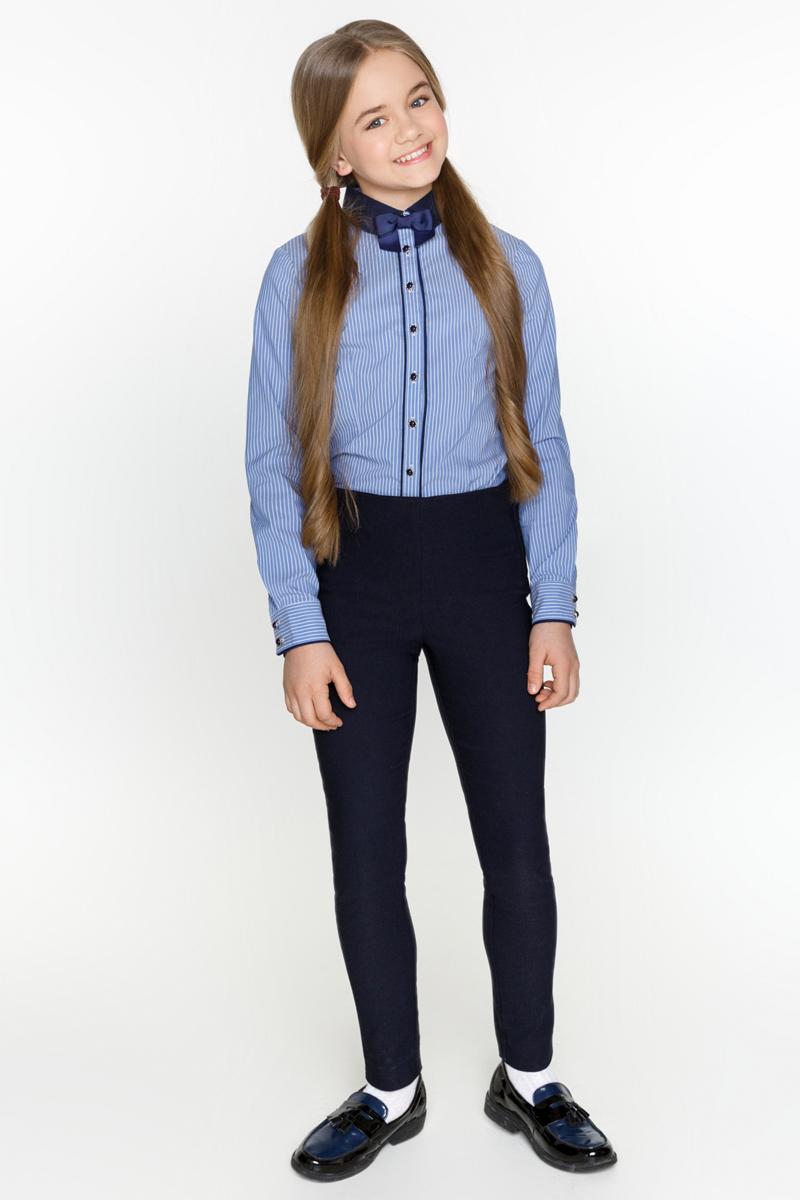 Блузка для девочки Acoola Teta, цвет: синий. 20200260006_500. Размер 13420200260006_500Классическая блузка Acoola Teta выполнена из хлопкового поплина в полоску, декорированная контрастным отложным воротником со съемным бантиком. Модель приталенного силуэта с длинными рукавами с манжетами на пуговицах и планкой с застежкой на пуговицы спереди.
