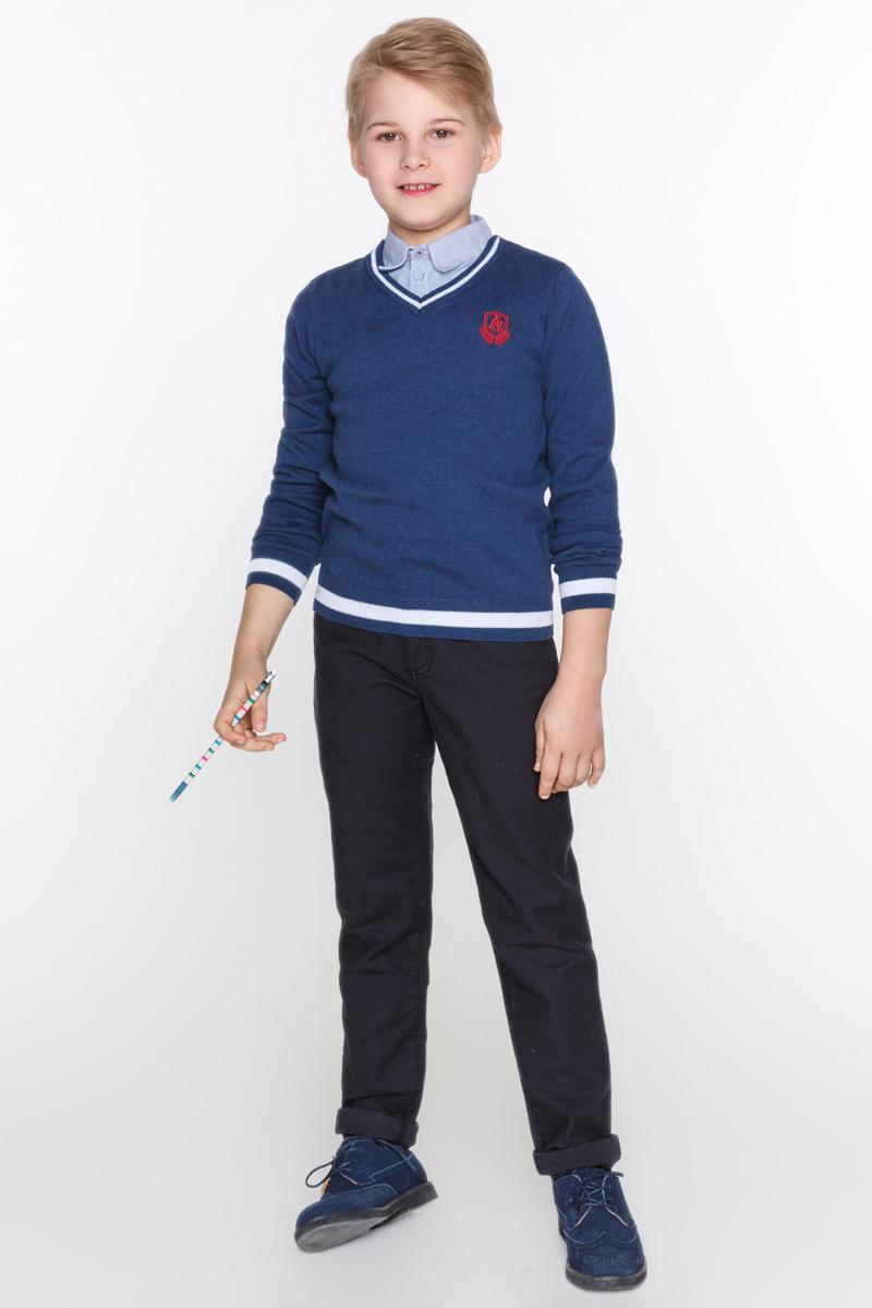 Джемпер для мальчика Acoola Mini, цвет: синий. 20100310008_500. Размер 16420100310008_500Классический джемпер Acoola Mini выполнен из вязаного трикотажа, декорированный небольшой яркой вышивкой и отстегивающейся хлопковой манишкой в виде рубашки. Модель с V-образным вырезом горловины, резинками на манжетах и по низу изделия.
