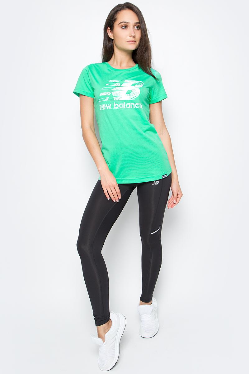 Футболка женская New Balance Sketch Tee, цвет: зеленый. WT63524/VDJ. Размер XS (42)WT63524/VDJФутболка женская Sketch Tee от New Balance выполнена из мягкого трикотажа. Модель прямого силуэта, имеет округлый вырез, короткие рукава, фактурный принт.
