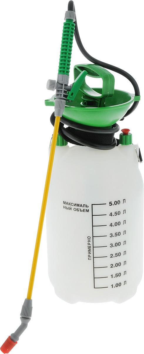 Опрыскиватель помповый Santino, ранцевый, 5 л5L-BОпрыскиватель помповый Santino идеально подходит для разбрызгивания моющих средств, удобрений, средств по уходу за растениями, жидкого воска, препаратов для борьбы с насекомыми, обезжиривателей. Применяется в цвето/садоводстве, клининге и дезинфекции. Опрыскиватель снабжен пластиковым резервуаром на 5 литров, тонкой рукояткой со шлангом, регулируемой насадкой и блокировкой триггера. Материал изделия очень прочен и устойчив к агрессивным веществам, содержащимся в удобрениях и моющих средствах. Пневматический насос, вмонтированный в крышку, используется для распыления жидкостей. Закачка воздуха производится путем перемещения ручки вверх и вниз. Для подачи жидкости необходимо нажать на рычаг, расположенный на рукоятке. Плечевой ремень позволяет удобно переносить опрыскиватель на плече. На внешних стенках резервуара имеется шкала литража. Длина рукоятки: 58 см. Диаметр основания: 18 см. Высота резервуара: 45 см.