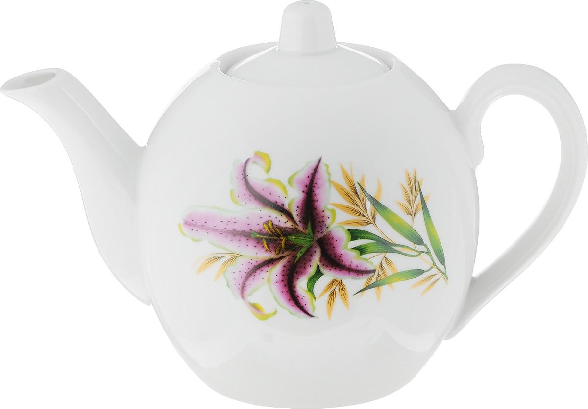 Чайник заварочный Фарфор Вербилок Розовая лилия, 800 мл1641990Для того чтобы насладиться чайной церемонией, требуется не только знание ритуала и чай высшего сорта. Необходим прекрасный заварочный чайник, который может быть как центральной фигурой фарфорового сервиза, так и самостоятельным, отдельным предметом. От его формы и качества фарфора зависит аромат и вкус приготовленного напитка. Именно такие предметы формируют в доме атмосферу истинного уюта, тепла и гармонии. С заварочным чайником Фарфор Вербилок Розовая лилия вы сможете ощутить более богатый, ароматный вкус чая или кофе. Изделие выполнено из высококачественного фарфора и украшено цветочным рисунком.Диаметр чайника по верхнему краю: 6 см. Диаметр основания чайника: 7,5 см. Высота чайника (без учета крышки): 11,5 см.