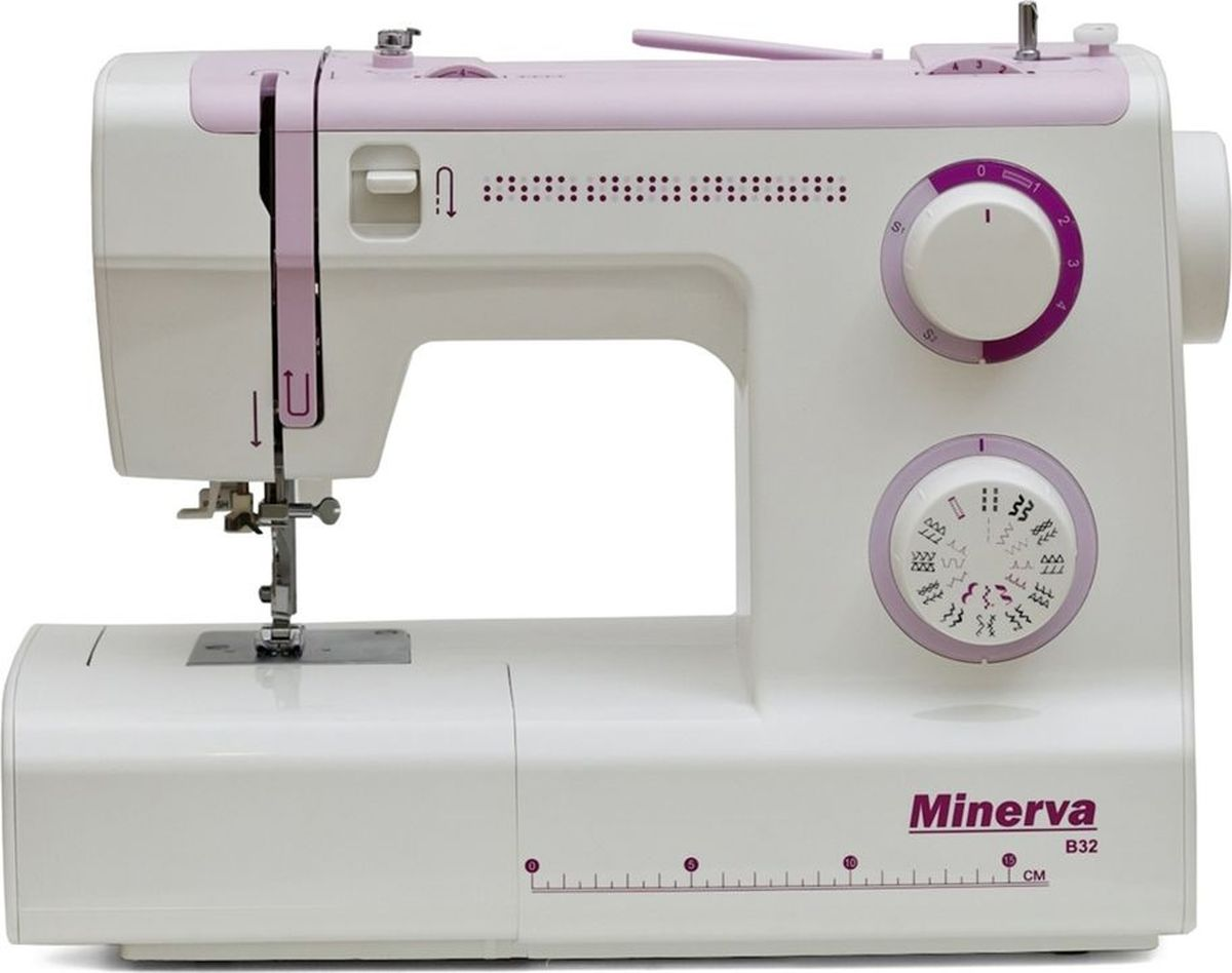 Minerva B32 швейная машинаM-MB32Электромеханическая швейная машина Minerva B32 выполняет 32 строчки, в том числе выметывает петлю в автоматическом режиме. Работает с любыми видами тканей (от шифона до джинса и кожи), имеет усиленный нижний транспортер.Для трикотажных тканей имеются специальные строчки, для обработки низа изделий - потайной шов. Так же чтобы украсить ваше изделие можно применять отделочные и фестонные строчки. Чтобы облегчить Вашу работу, машина оснащена функцией автоматической заправки нити иподсветкой рабочей зоны, имеет съемную консоль, позволяет выполнять плавную регулировка строчек. Так же есть возможность шить двойной иглой.Характеристики:Класс: ЭлектромеханическаяПодходит: для начинающихПетля: АвтоматЧелнок: ВертикальныйНитеобрезчик: ЕстьСкорость шитья: 800 об/мин.Длина стежка: 4ммШирина стежка: 5ммПодъем лапки – 6 ммВозможности: 32 различных строчки:- трикотажные- потайной шов- отделочные- фестонная вышивкаПетля в автоматическом режимеАвтозаправка нитиРабота двойной иглойМощность: 105 ВтКомплектация:Мягкий чехолШпульки и отверткиЛапка для петли автоматЛапка для пришивания пуговицПриспособление для выстегиванияАвтозаправка нитиЛапки:Универсальная лапкаЛапка для пришивания пуговицЛапка для выметывания петлиЛапка для вшивания молнииДисплей: НетПитание от сети: ЕстьКорпус: ПластикСтрана производитель: Вьетнам3 года гарантии