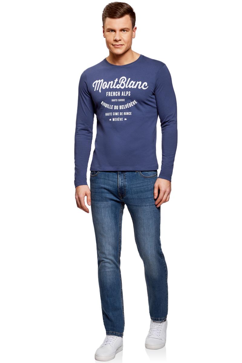 Лонгслив мужской oodji Basic, цвет: синий. 5B512003M/25754N/7512P. Размер L (52/54)5B512003M/25754N/7512PМужской лонгслив от oodji выполнен из натурального хлопкового трикотажа. Модель с длинными рукавами и круглым вырезом горловины на груди оформлена принтованными надписями.