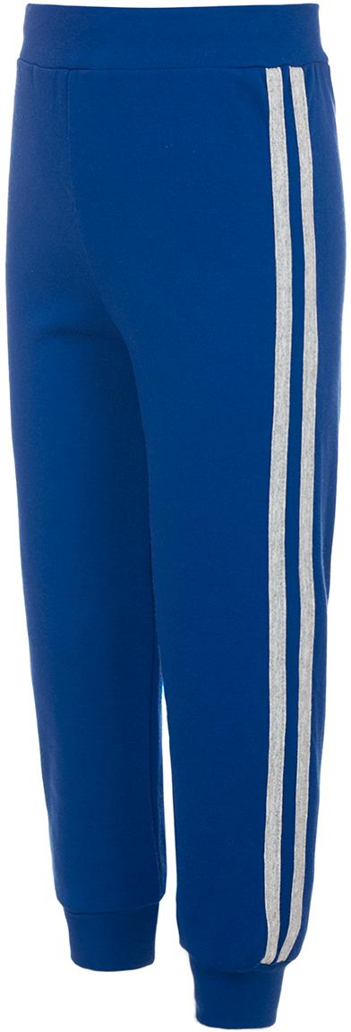 Брюки спортивные для мальчика M&D, цвет: синий. Б191011. Размер 104Б191011Детские спортивные брюки M&D выполнены из натурального хлопка. Модель на талии имеет широкую эластичную резинку. Нижняя часть штанин дополнена трикотажными манжетами.