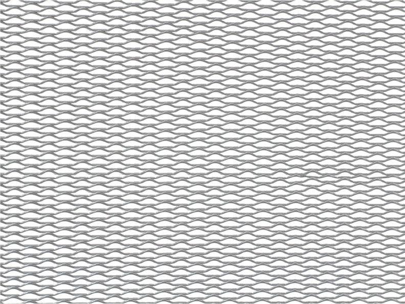 Решетка радиатора декоративная DolleX, 100 х 40 см, ячейки 15 х 4,5 мм, цвет: серебристыйDKS-022Облицовка радиатора (металлическая сетка декоративная) эффективно защищает элементы моторного отсека, радиатор системы охлаждения и кондиционирования автомобиля от камней, грязи и насекомых. Долговечная и легкомонтируемая. Придает индивидуальность автомобилю. Цвет: серебро Размер сетки: 100 х 40 см Размер ячейки: 15мм х 4,5мм