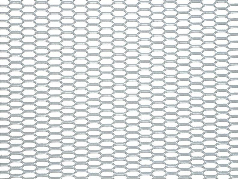 Решетка радиатора декоративная DolleX Сота, 100 х 20 см, ячейки 20 х 6 мм, цвет: серебристыйDKS-030Облицовка радиатора (металлическая сетка декоративная) эффективно защищает элементы моторного отсека, радиатор системы охлаждения и кондиционирования автомобиля от камней, грязи и насекомых. Долговечная и легкомонтируемая. Придает индивидуальность автомобилю. Цвет: серебро Размер сетки: 100 х 20 см Размер ячейки: 20мм х 6мм