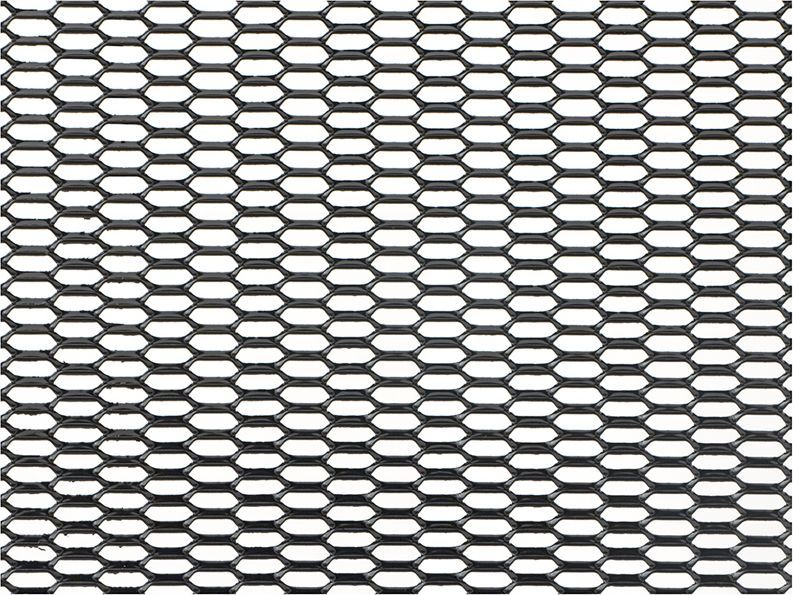 Решетка радиатора декоративная DolleX Сота, 100 х 20 см, ячейки 20 х 6 мм, цвет: черныйDKS-031Облицовка радиатора (металлическая сетка декоративная) эффективно защищает элементы моторного отсека, радиатор системы охлаждения и кондиционирования автомобиля от камней, грязи и насекомых. Долговечная и легкомонтируемая. Придает индивидуальность автомобилю. Цвет: черный Размер сетки: 100 х 20 см Размер ячейки: 20мм х 6мм