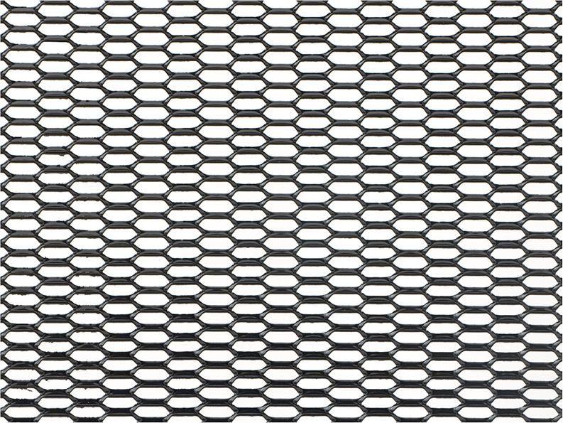 Решетка радиатора декоративная DolleX Сота, 100 х 40 см, ячейки 20 х 6 мм, цвет: черныйDKS-035Облицовка радиатора (металлическая сетка декоративная) эффективно защищает элементы моторного отсека, радиатор системы охлаждения и кондиционирования автомобиля от камней, грязи и насекомых. Долговечная и легкомонтируемая. Придает индивидуальность автомобилю. Цвет: черный Размер сетки: 100 х 40 см Размер ячейки: 20мм х 6мм