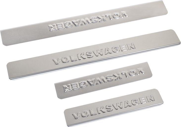 Накладки внутренних порогов DolleX, для VW Polo, 4 штNPS-049Накладки внутренних порогов DolleX придают автомобилю стильный и неповторимый вид, эффективно защищают пороги от повреждения лакокрасочного покрытия.Отличительные особенности:- Полированная нержавеющая сталь.- Толщина стали 0,5 мм.- Стильный внешний вид.- Легкая и быстрая установка.- Крепление - лента липкая двухсторонняя.Размер: 450 х 46 мм (2 шт), 260 х 46 мм (2 шт).