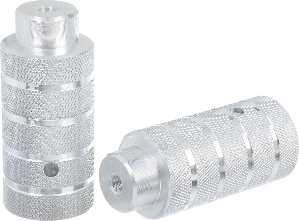 Пеги для BMX STG, цвет: серебристый, диаметр 5 см, длина 11 см, 2 штХ73984-5Пеги для BMX STG, выполненные из алюминия, предназначены исключительно для трюков и крепятся на крепкие стальные болты, так как должны выдерживать вес не только велосипедиста, который может опираться на пегу во время выполнения трюка, но и еще и массу самого велосипеда.Ось велосипеда: 3/8.