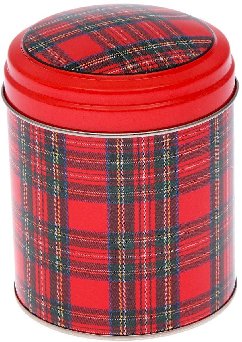 Банка для сыпучих продуктов Рязанская фабрика жестяной упаковки Шотландка, 800 мл2107383Металлическая банка Шотландка - лучший способ сохранить крупы и травы, чай и кофе в наилучшем состоянии.Изделия от Рязанской фабрики жестяной упаковки радуют потребителей уже долгие годы. Чем хороша именно эта банка?- Плотная крышка предохраняет содержимое от высыпания.- Защита от солнечного света продлевает срок годности продуктов.- Яркий дизайн добавит свежую нотку в оформление кухни.- Банка может быть использована для хранения мелких хозяйственных предметов. Наводите порядок на кухне со вкусом!