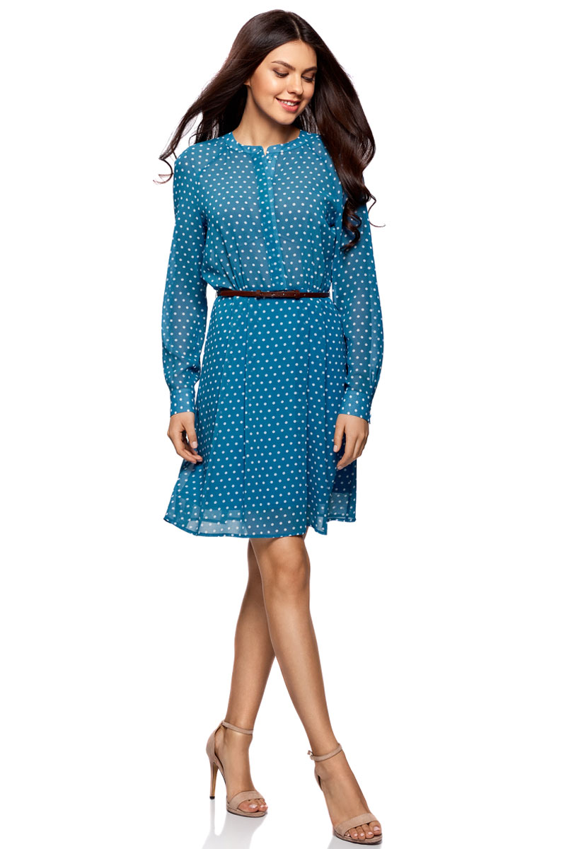 Платье oodji Collection, цвет: ярко-голубой, белый. 21912001-1B/38375/7410D. Размер 36-170 (42-170)21912001-1B/38375/7410DПлатье oodji Collection полуприлегающего кроя выполнено из шифона и оформлено принтом. Модель средней длины с круглым вырезом горловины и длинными рукавами-реглан застегивается спереди и на манжетах на пуговицы; сбоку имеется скрытая застежка-молния. Платье подойдет для офиса, прогулок и дружеских встреч и станет отличным дополнением гардероба в летний период. Мягкая ткань на основе полиэстера приятна на ощупь и комфортна в носке.В комплект с платьемвходит узкий ремень из искусственной кожи с металлической пряжкой.