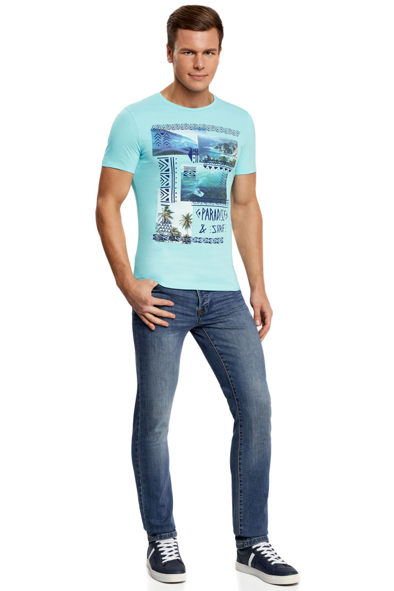 Футболка мужская oodji Lab, цвет: бирюзовый. 5L611020I/44135N/7378P. Размер S (46/48)5L611020I/44135N/7378PМужская футболка от oodji с круглым вырезом горловины и короткими рукавами выполнена из натурального хлопка. Спереди модель оформлена летним принтом. Оригинальный принт с орнаментом и надписями хочется рассматривать снова и снова.В такой футболке вы можете вести себя активно – ваши движения не будут ограничены. Эффектная футболка прекрасно подходит для создания повседневных и спортивных луков. Она хорошо сочетается с джинсами, хлопковыми зауженными брюками, шортами или бриджами. С ней вы сможете создать универсальный образ для любой ситуации: учебы, встречи с друзьями, свидания, вечеринки или активного отдыха.Из обуви предпочтение рекомендуется отдавать спортивной обуви: кеды, кроссовки или мокасины завершат образ.