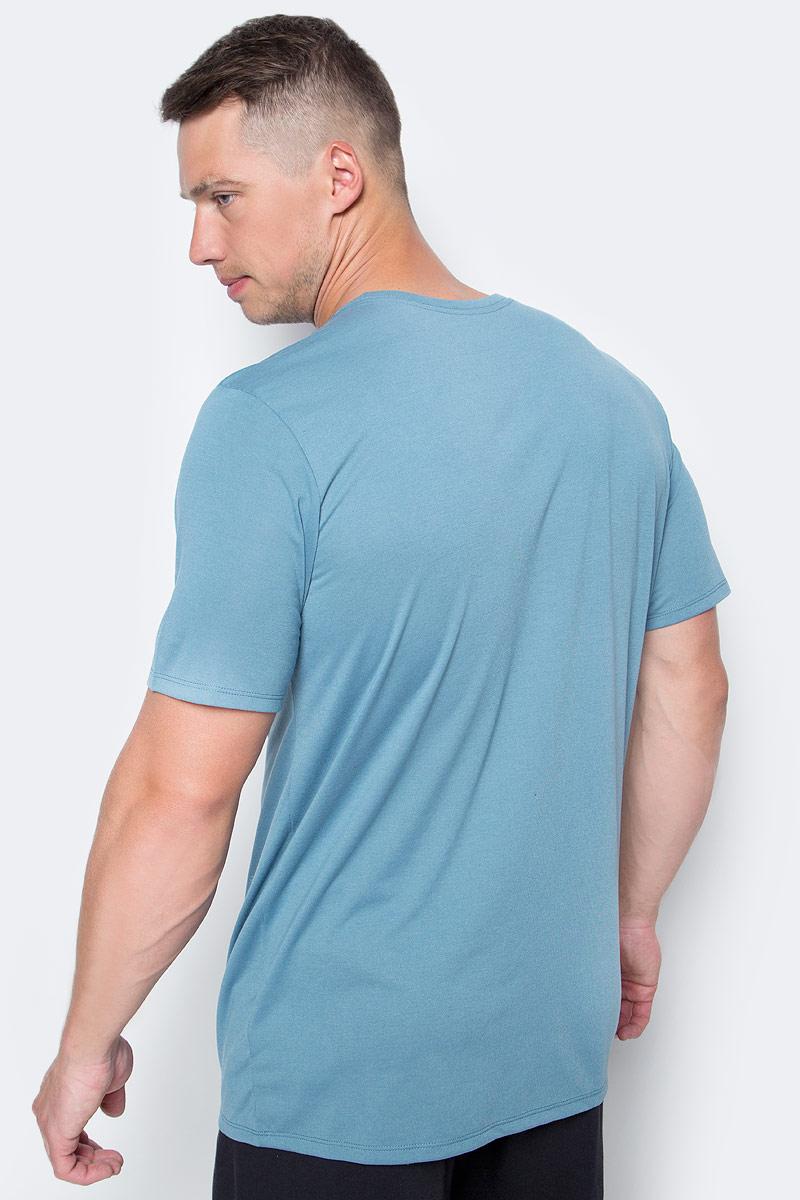 Мужская футболка для тренинга Nk Dry Tee Db Swoosh Perf от Nike выполнена из полиэстера с добавлением хлопка и вискозы. Модель с круглым вырезом горловины и короткими рукавами оформлена фирменным логотипом.