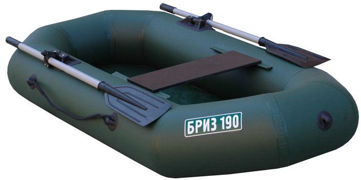 Лодка Тонар Бриз 190, с веслами, цвет: зеленый130920Сверх легкая и компактная гребная лодка Бриз 190 из ПВХ с гребками предназначена для рыбной ловли и охоты на закрытых водоемах. Баллон разделен воздухонепроницаемыми перегородками на два независимых отсека таким образом, чтобы в случае выхода из строя одного из отсеков гребная лодка сохраняла положение равновесия. ПВХ-ткань - 750 г/м2. Сиденье - банка из влагостойкой фанеры. Длина лодки наибольшая - 1,95 м. Наибольшая ширина - 0,96 м. Наибольший диаметр баллона - 0,27 м. Грузоподъемность - 150 кг. Пассажировместимость - 1 человек. Рабочее давление в баллоне - 0,2 кгс/см2. Упаковка - сумка-рюкзак. Вес изделия: 6,3 кг.