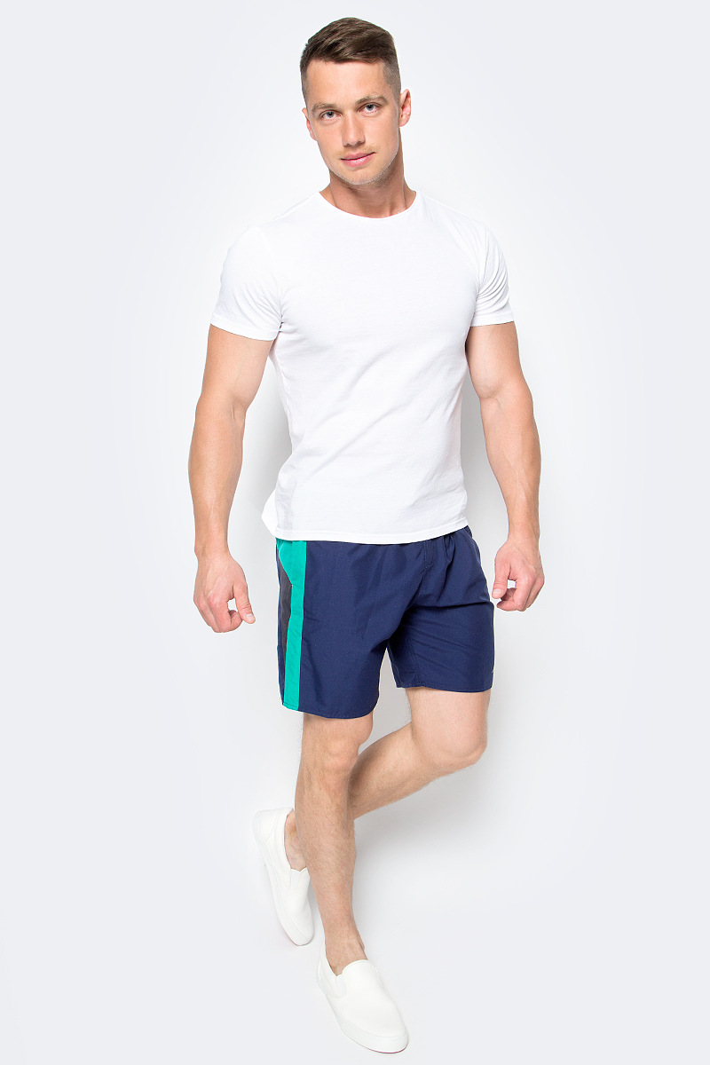 Шорты для плавания мужские Speedo Logo Yoke Splice 18 Watershort, цвет: темно-синий. 8-09681B466-B466. Размер S (46/48)8-09681B466-B466Мужские шорты для плавания Speedo Logo Yoke Splice 18 Watershort изготовлены из быстросохнущего материала. Легкая и прочная ткань со специальной обработкой позволяет шортам быстро высыхать после намокания, не сковывает свободу движений. Материал с бархатистым эффектом имеет приятные тактильные свойства. Сетчатая несъемная вставка в виде трусов-слипов обеспечивает необходимую циркуляцию воздуха. Эластичный пояс с затягивающимся шнурком позволяет отрегулировать посадку точно по фигуре. По бокам расположены два прорезных кармана с системой слива воды, подкладка которых выполнена из сетки. Изделие оформлено контрастными вставками, украшено вышитыми надписями, содержащими название бренда.Такие шорты - идеальный выбор для отдыха, купания и активных игр на пляже. В них вы всегда будете чувствовать себя уверенно и комфортно!